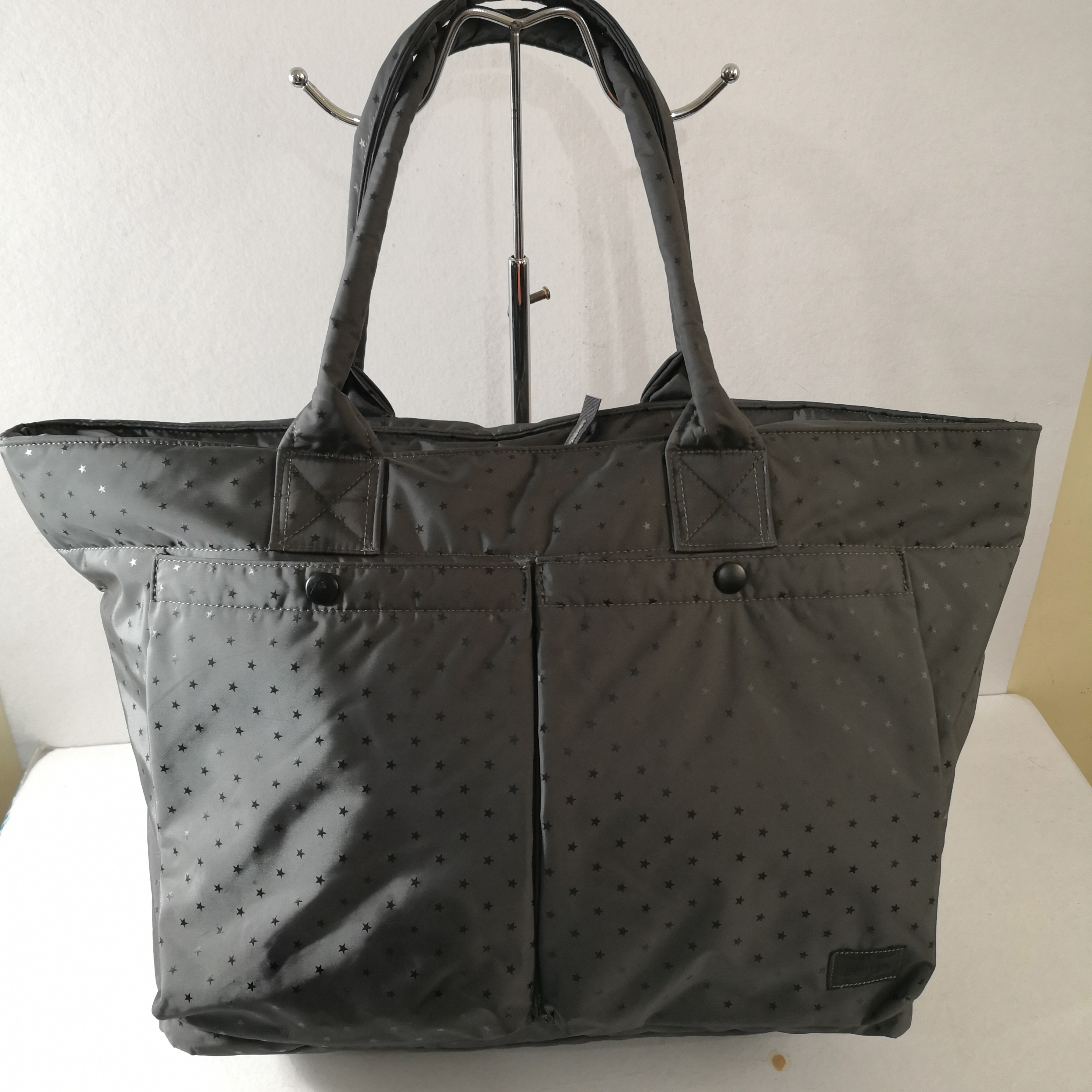 dd94485b7964 Porter Porter Grey Suave by Head Porter Dark Grey Large Nylon Tote Bag Size  one size - Bags   Luggage for Sale - Grailed