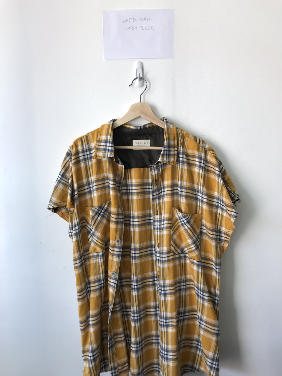 a464c13975 Yellow Cut-Out Zippered Flannel