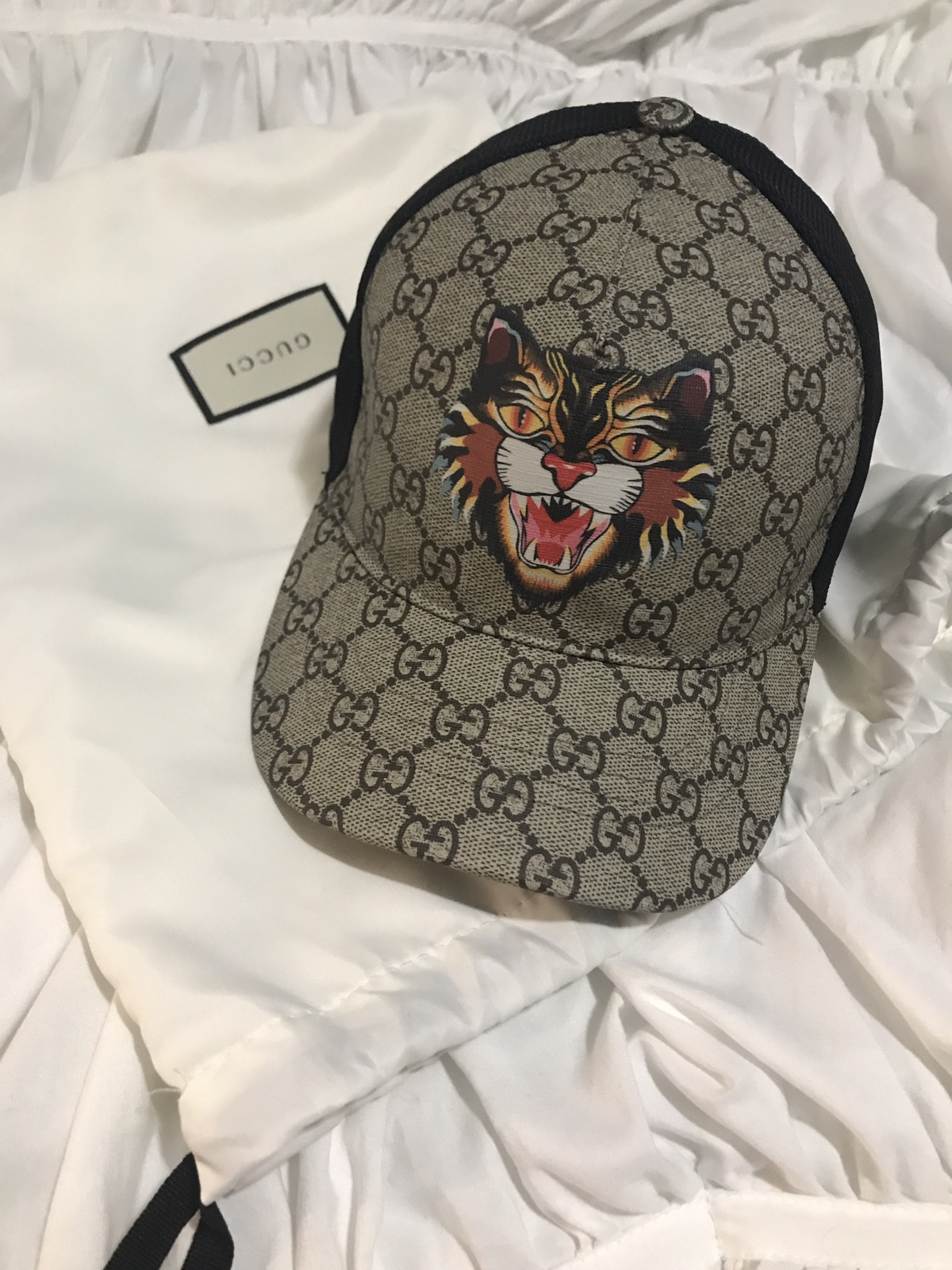 b19ef52c6ea157 Gucci Gg Supreme Angry Cat Hat | Grailed