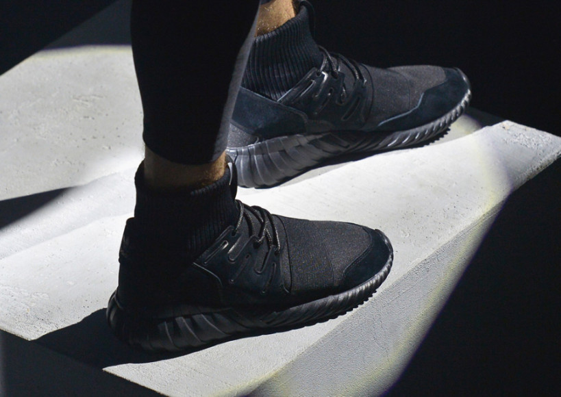 online retailer 6229e 89945 Tubular doom triple black