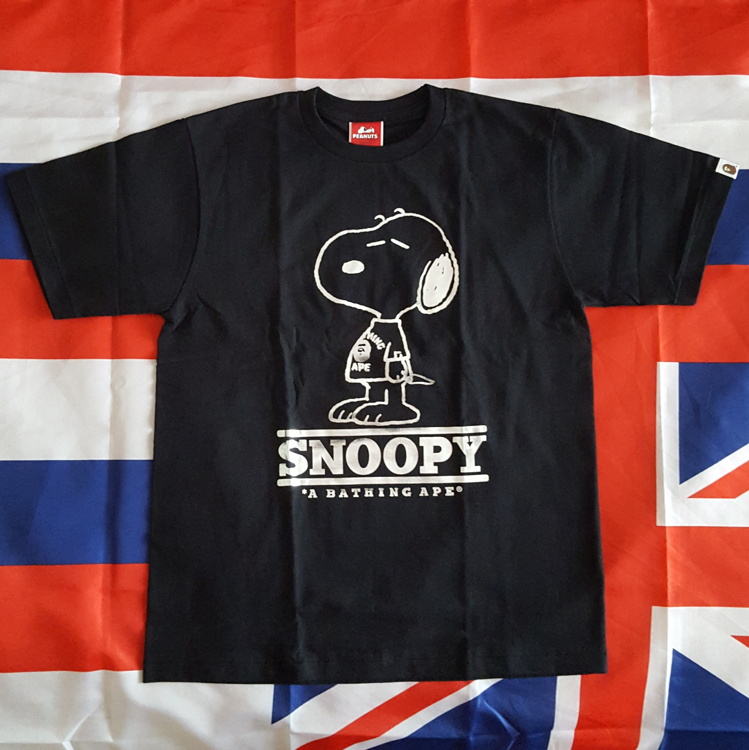 c6dfbaf605d2 Bape × Peanuts ×. Bape x Peanuts Snoopy Silver Foil Tee   Tote NOT supreme  shark hoodie milo kaws ...
