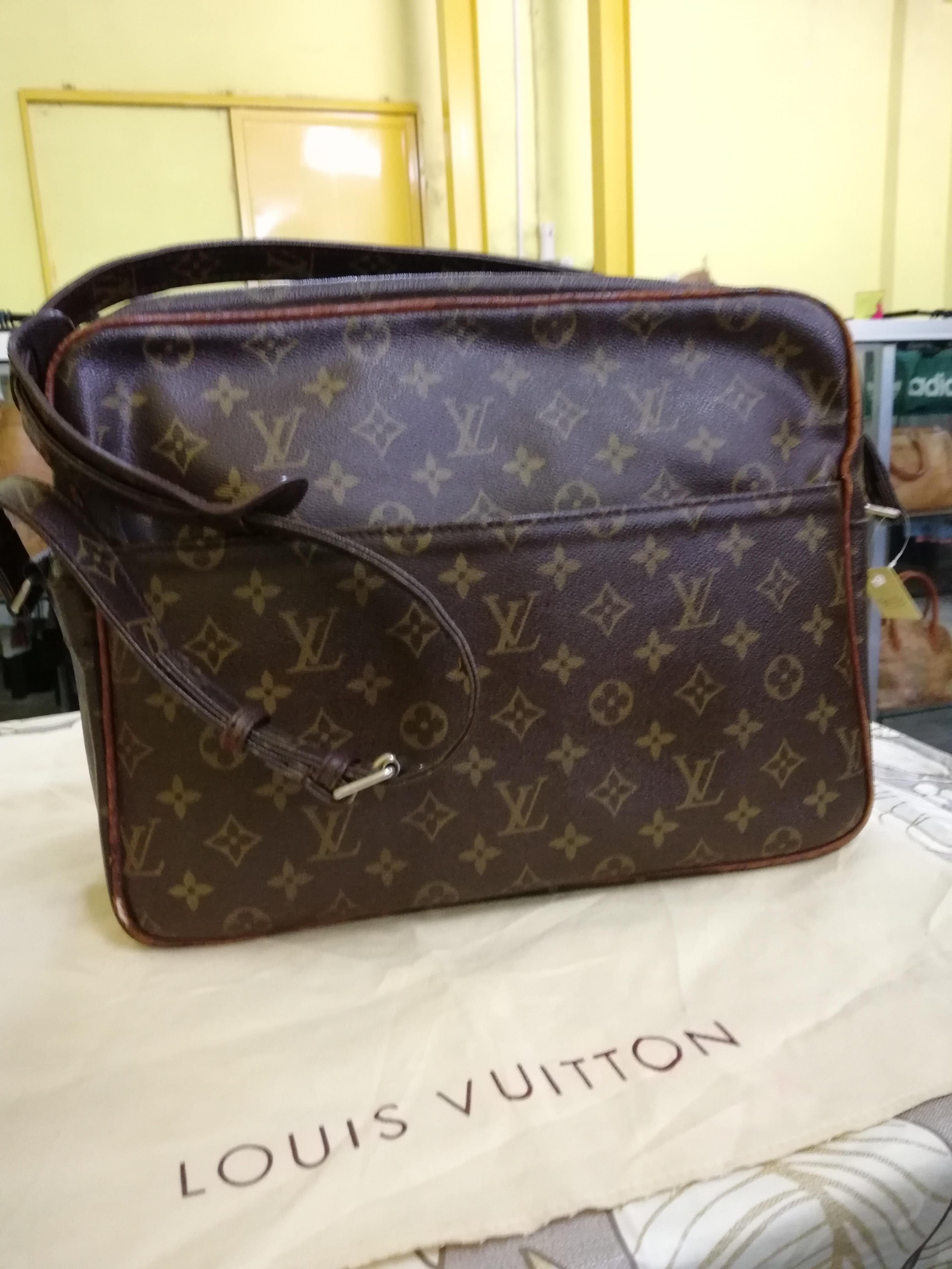 9766121ac73 Louis Vuitton ×. Authentic vintage Louis Vuitton Nile Monogram Canvas Shoulder  Bag like goyard ...