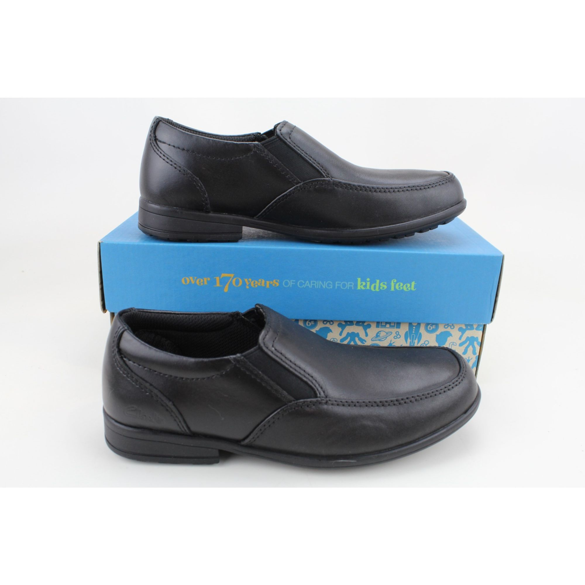 Details about  /Clarks Kooru Step Black 26100787 Grade-School Size 6Y
