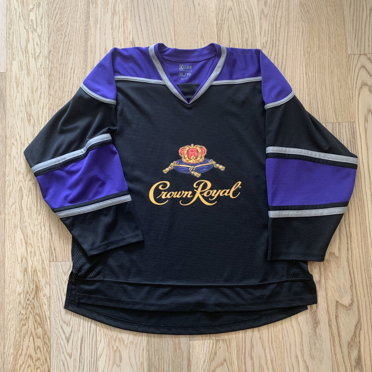 Brand NEW Crown Royal Canadian Whiskey purple Mens XL T-shirt Never Worn Tee