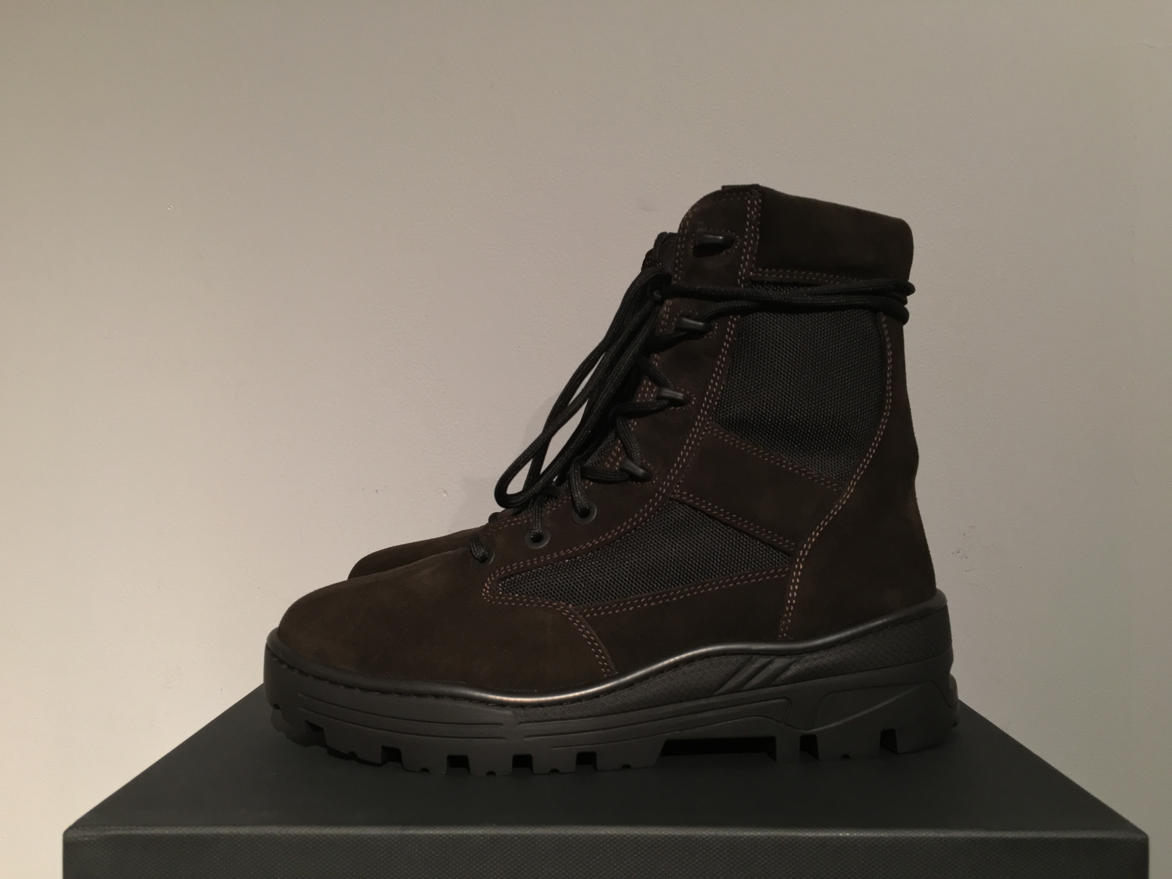 ae81a15eb83 Yeezy Season Season 4 Combat Boot in Oil Size 10 - Boots for Sale ...