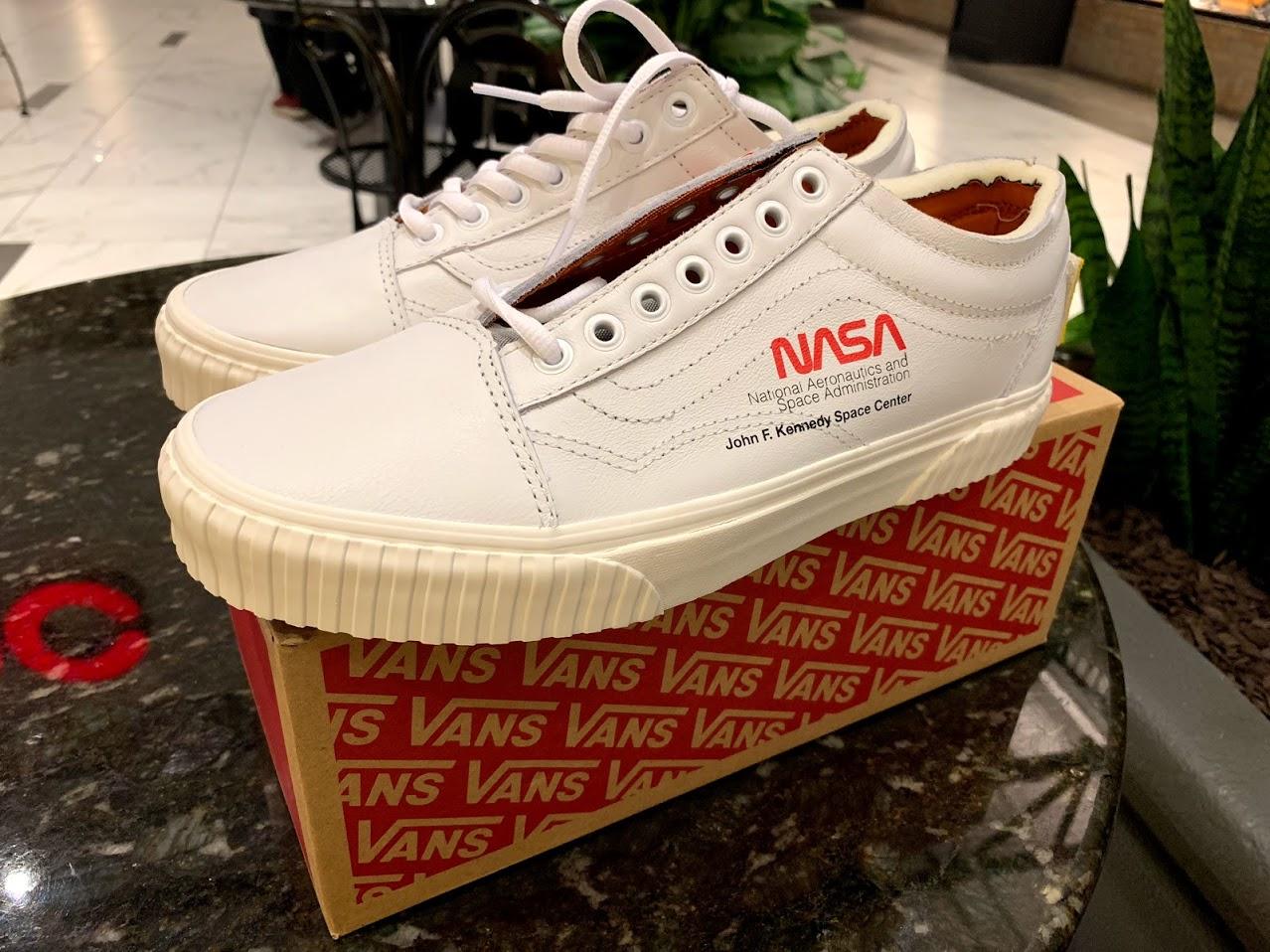 b64950a6f0c Vans × Nasa. NASA x Vans Old Skool Space Voyager True White (Size US ...