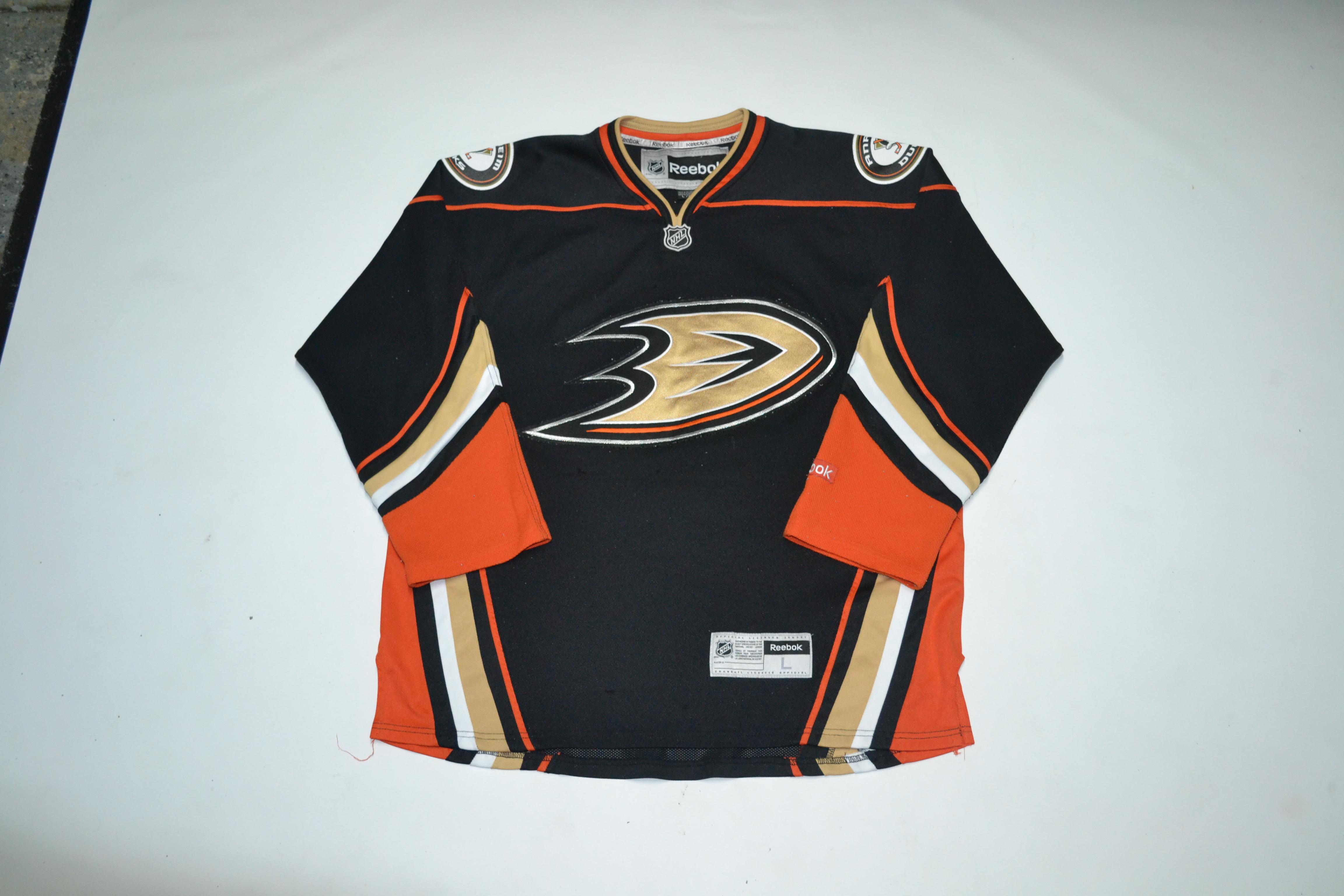new styles d8150 944c1 VTG Anaheim Ducks Jersey NHL Hockey 80s 90s streetwear fashion hip hop  Mighty