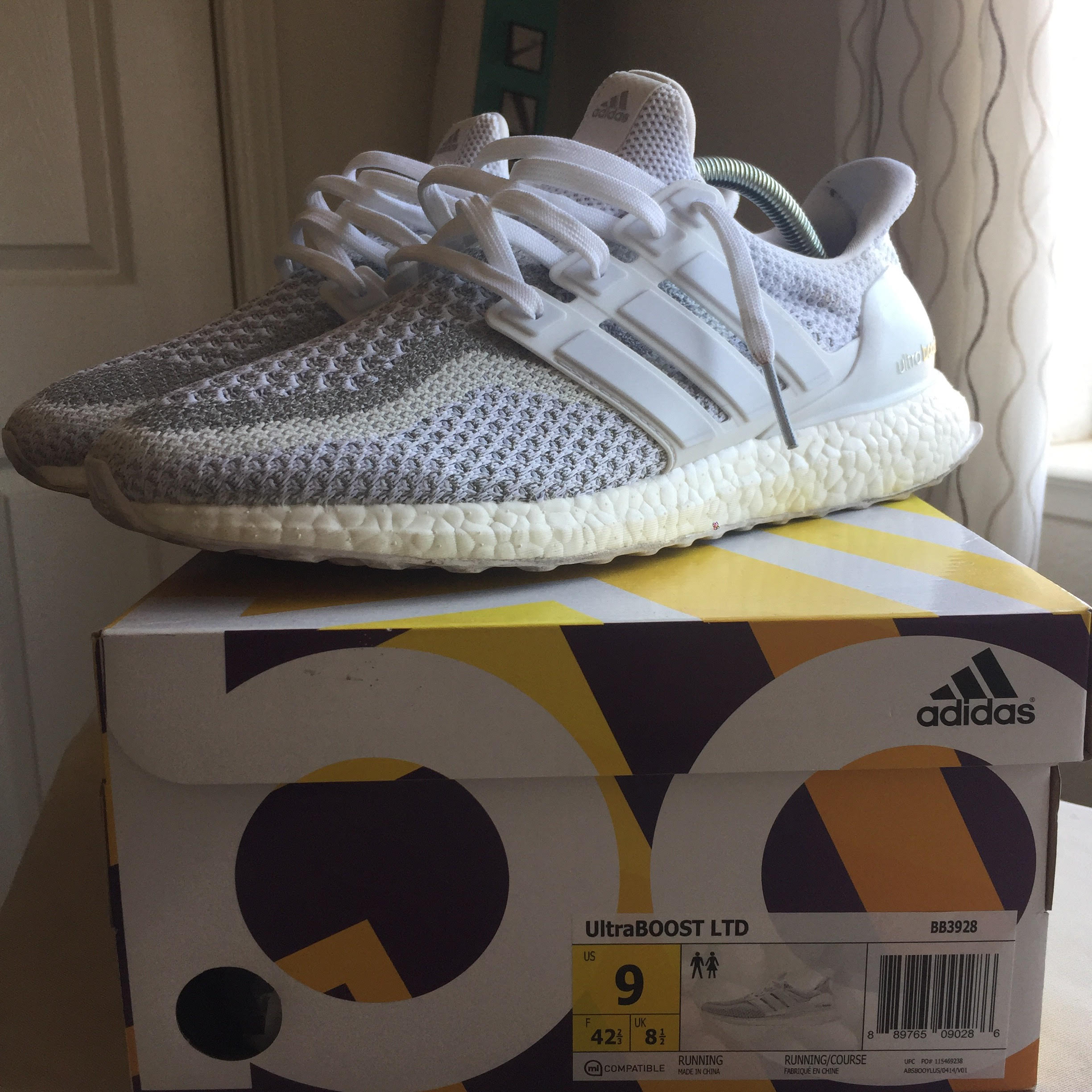 Adidas Adidas Ultra Boost 2.0 3M Reflective Triple White Size 9 - Low-Top  Sneakers for Sale - Grailed 48539744b