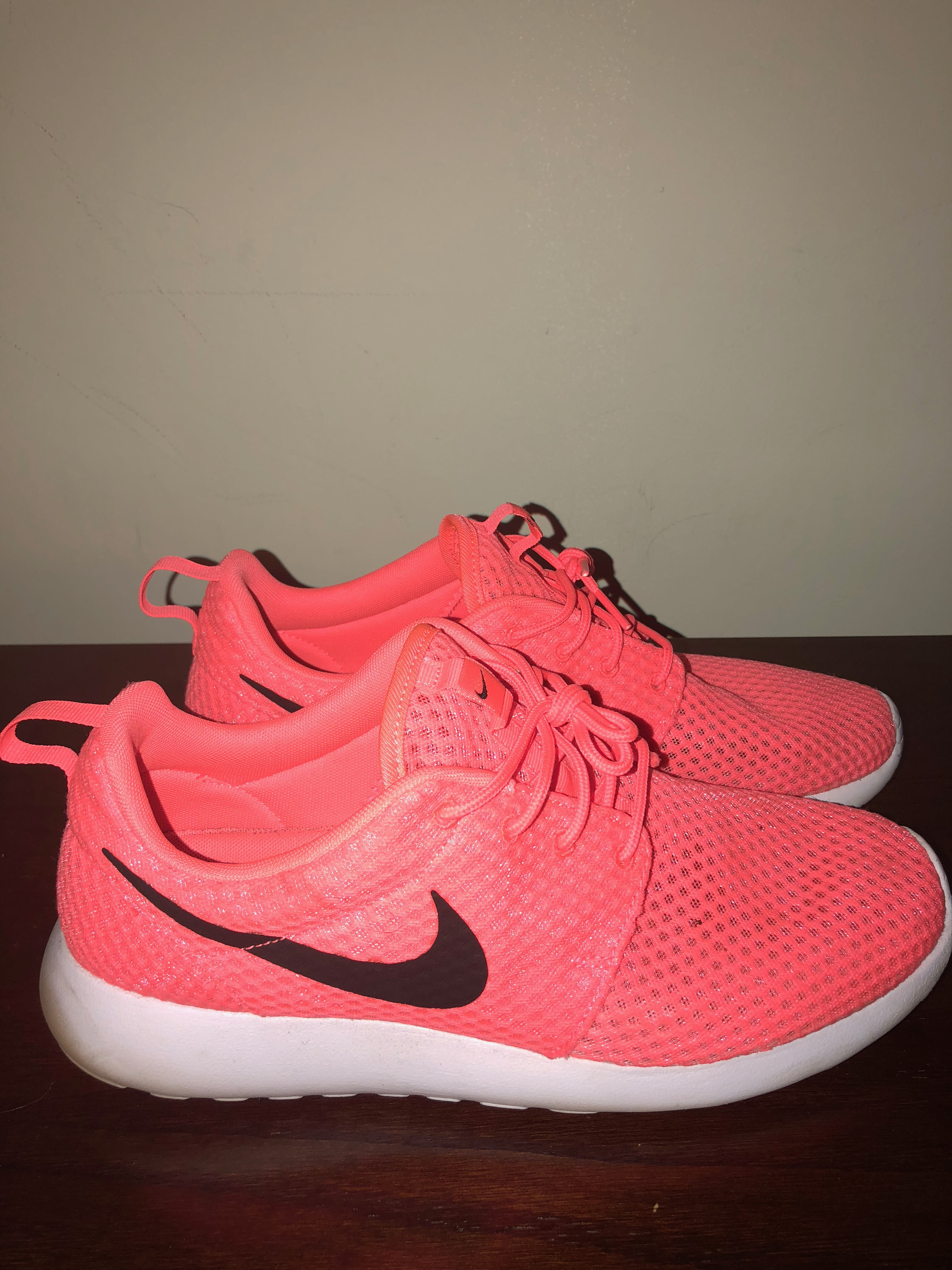 best service d346c d7388 Nike Nike Roshe Run One Mens Size 11 Mens Hot Lava pink   Grailed