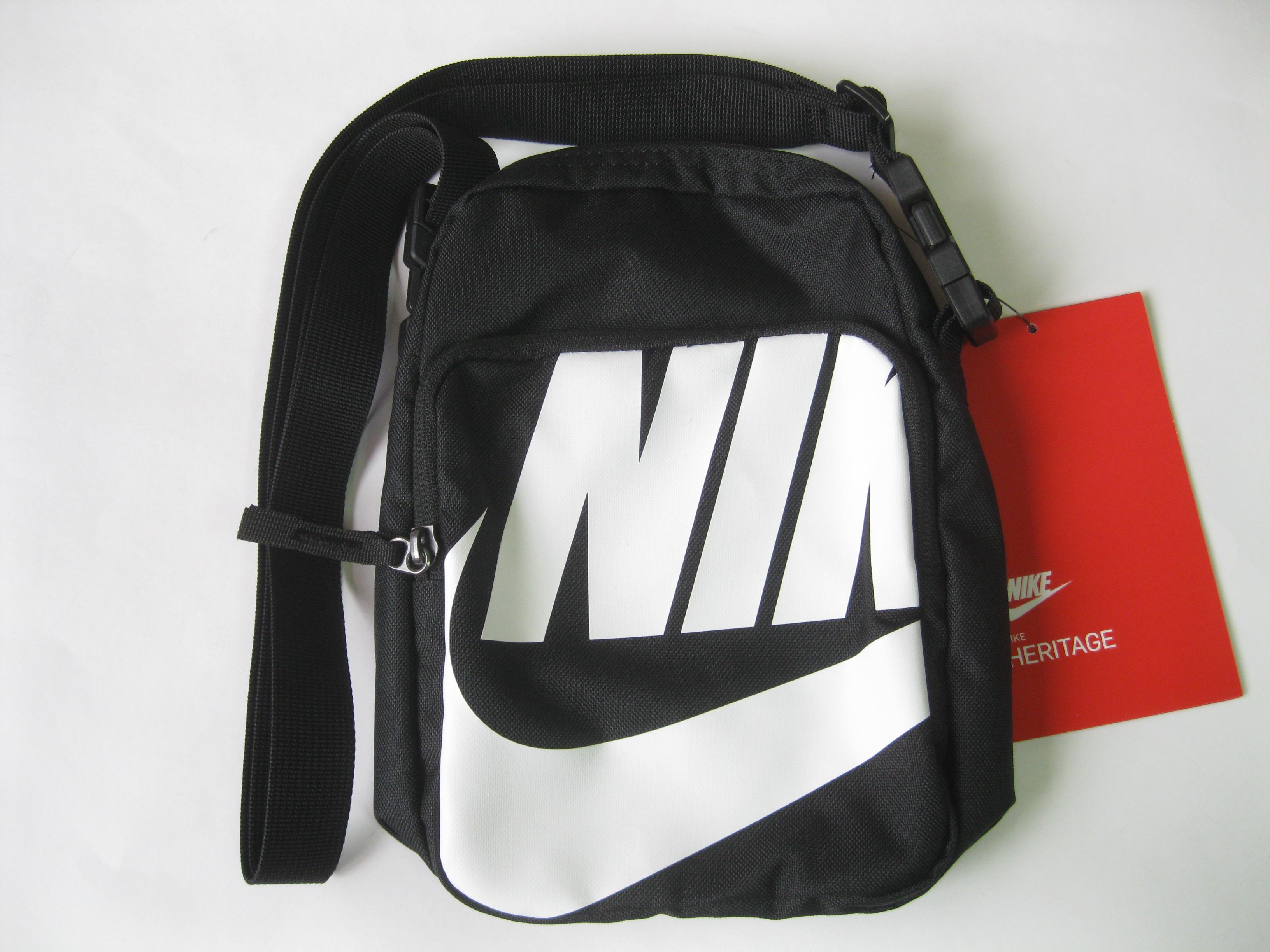 Ver a través de compresión recepción  Nike Heritage Small Items 2.0 Graphics Bag Ba6344 | Grailed