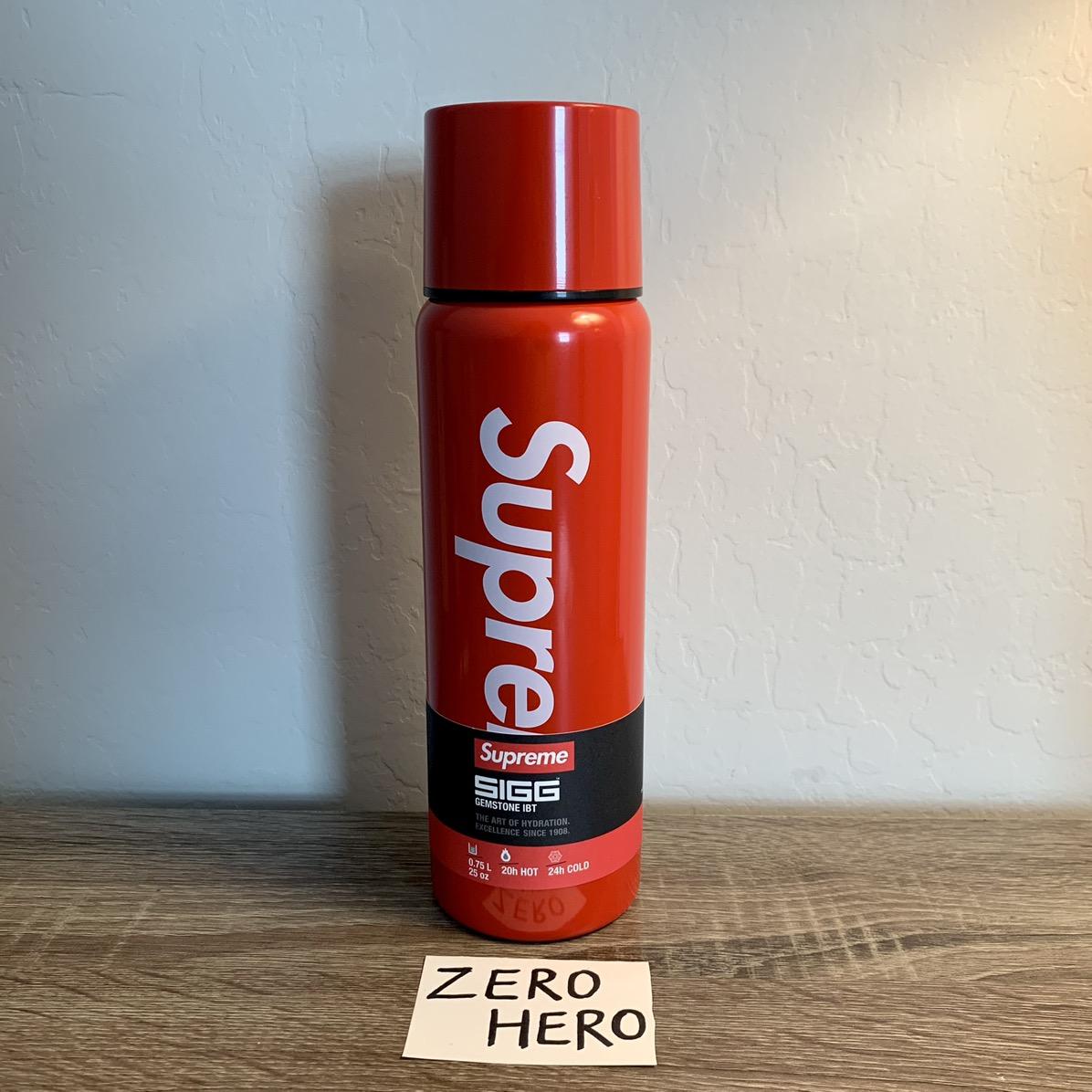 IN HAND Supreme SIGG Vacuum Insulated 0.75L Bottle BLACK