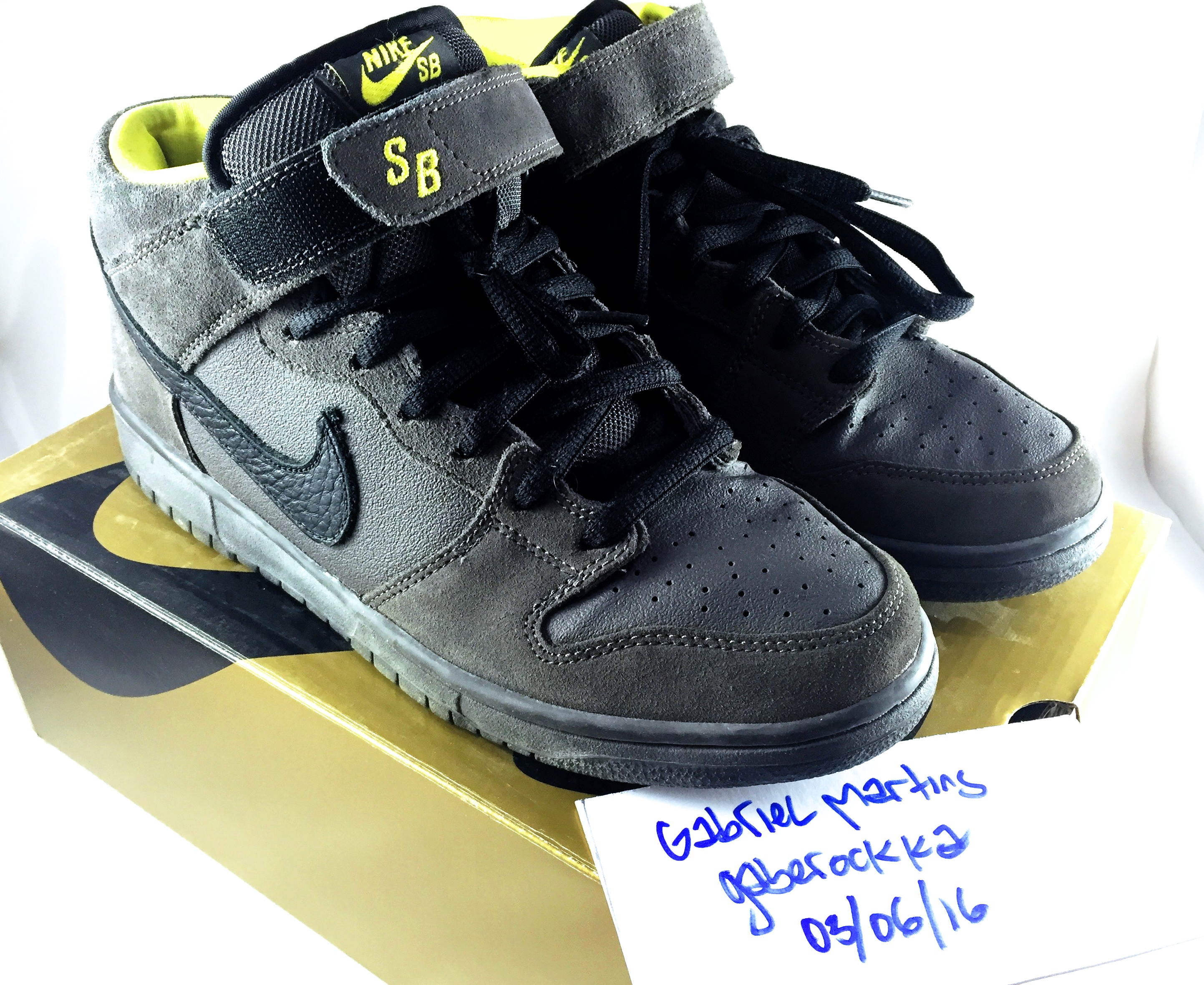 784aac62581a Nike Nike SB Dunk Mid  Batman  Size 9.5 - Low-Top Sneakers for Sale ...