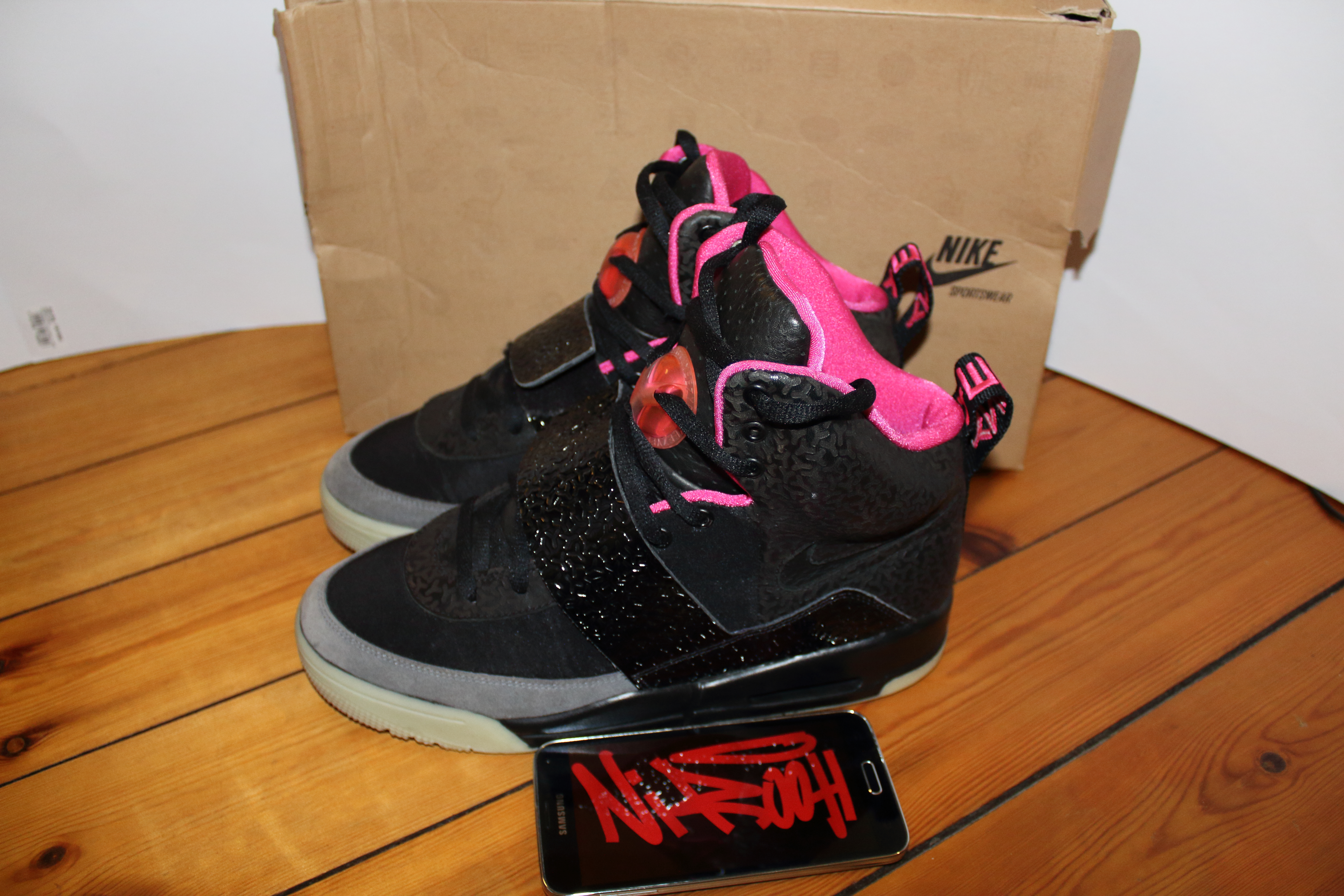 121f67694a77dc Nike Nike X Kanye West Air Yeezy 1 Blink