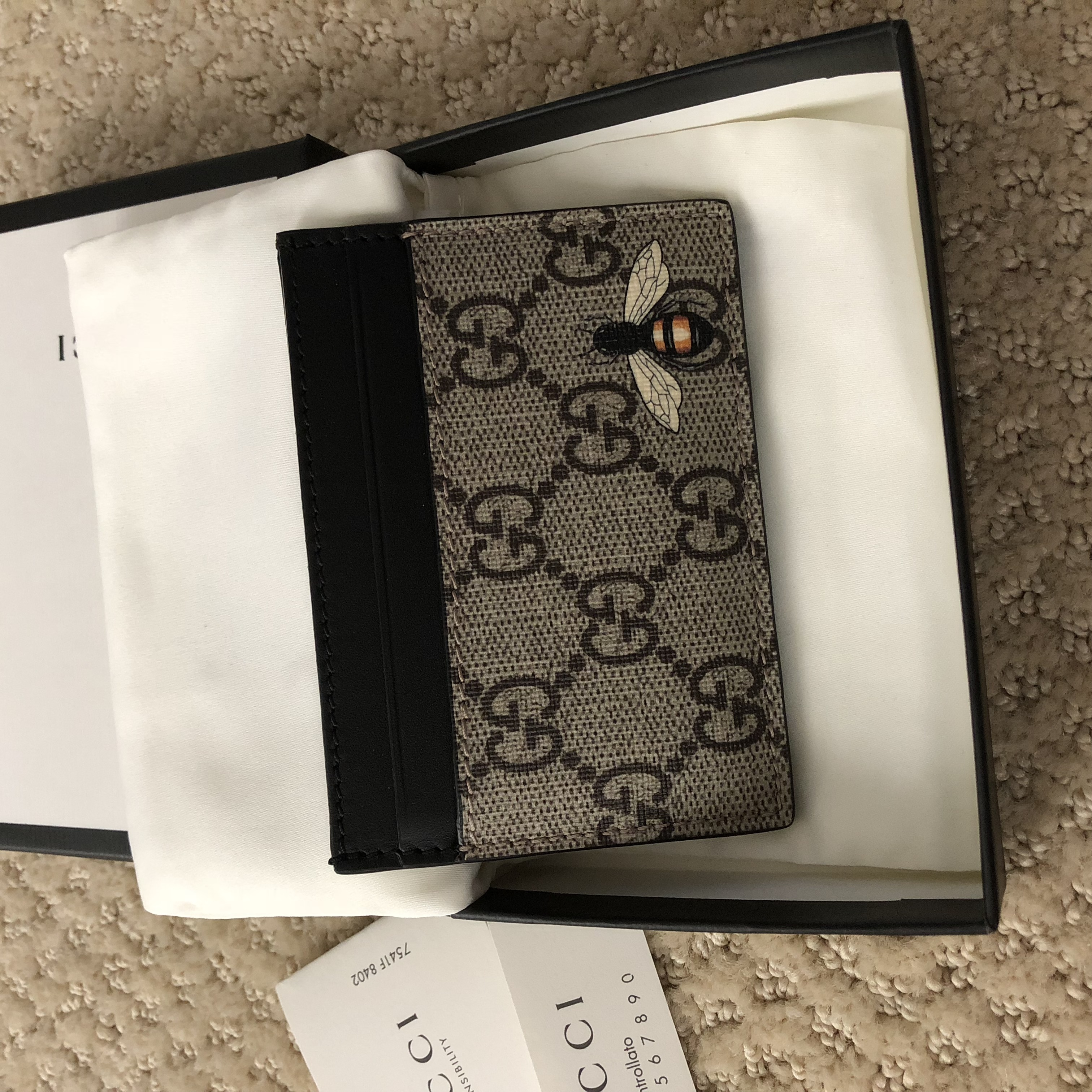 a2f56f56e80 Gucci Gucci Beige Black GG Supreme Bee Print Card Holder Wallet Size one  size - Wallets for Sale - Grailed