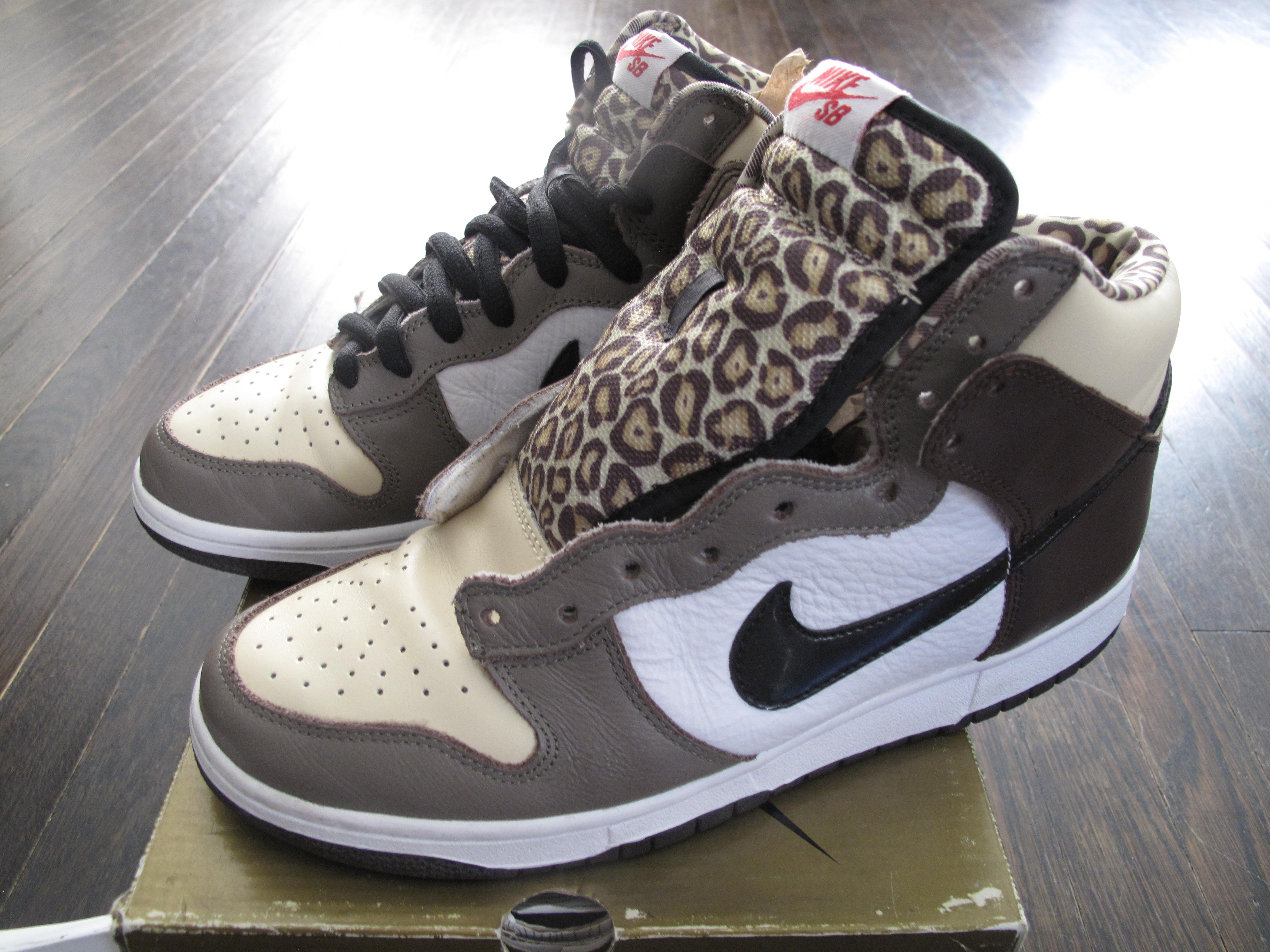 quality design c34a4 49a1d Nike SB Dunk High Ferris Bueller