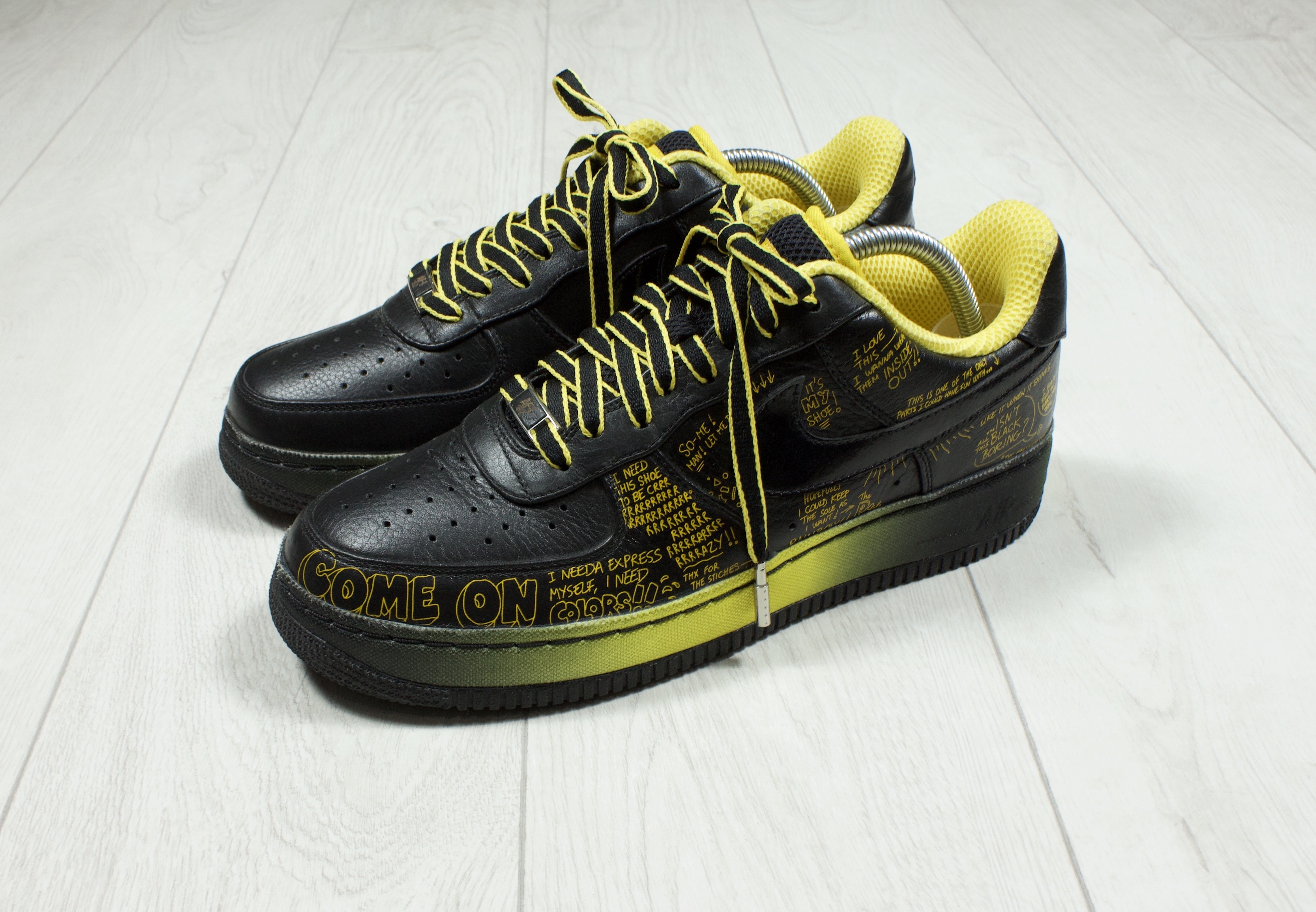 LIVESTRONG x x Air Force 1 SPRM IO 08 Busy P