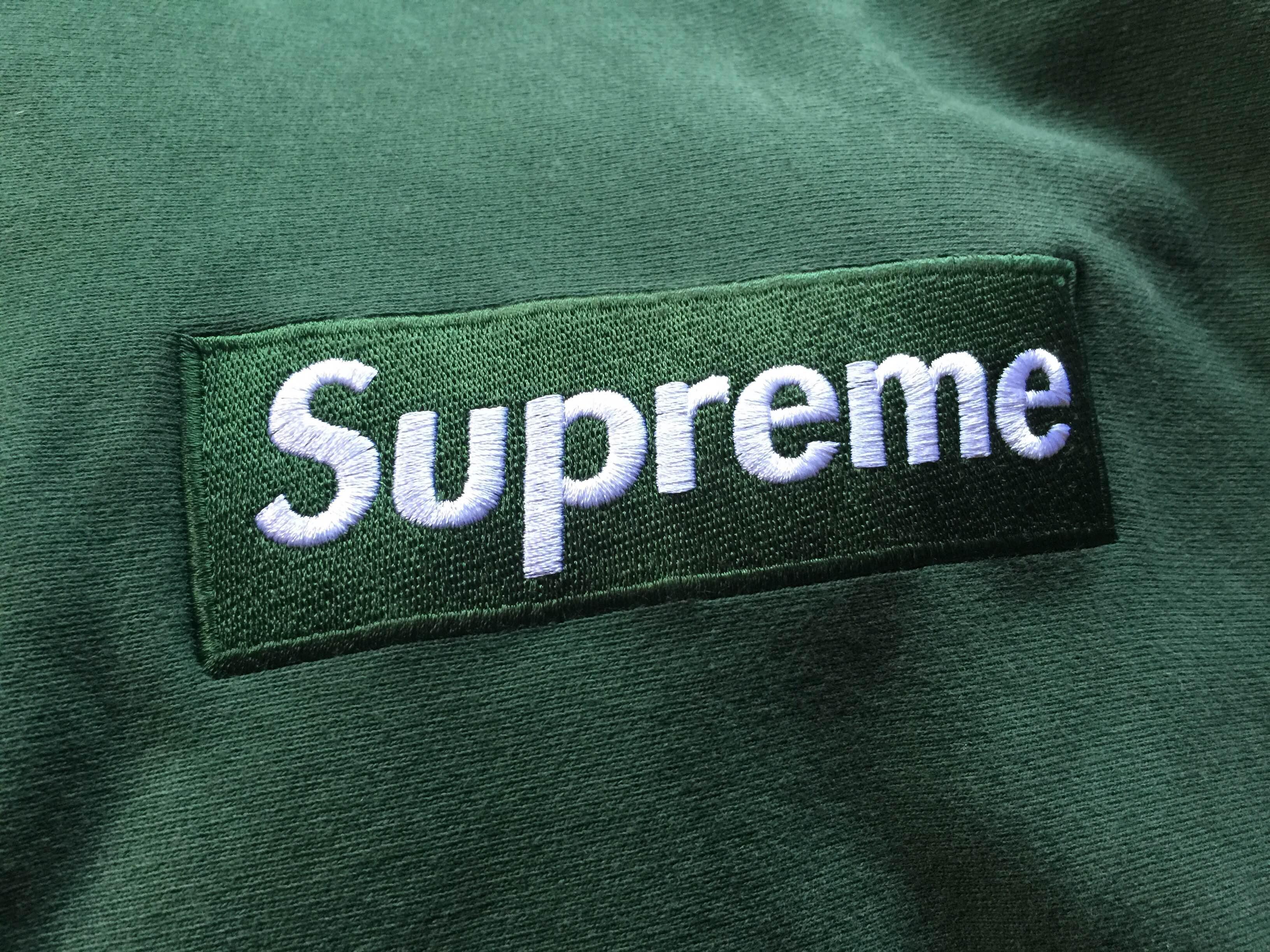 2413493e1e14 Supreme ×. Box Logo Hoodie - Forest Green. Size: US XL / EU 56 / 4