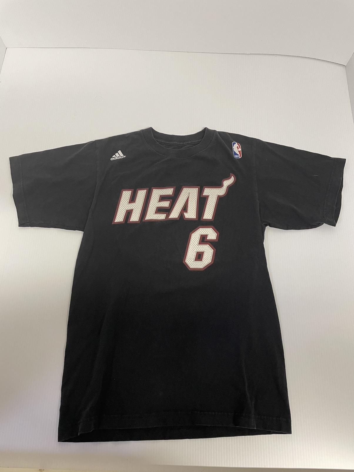 lebron james black t shirt jersey