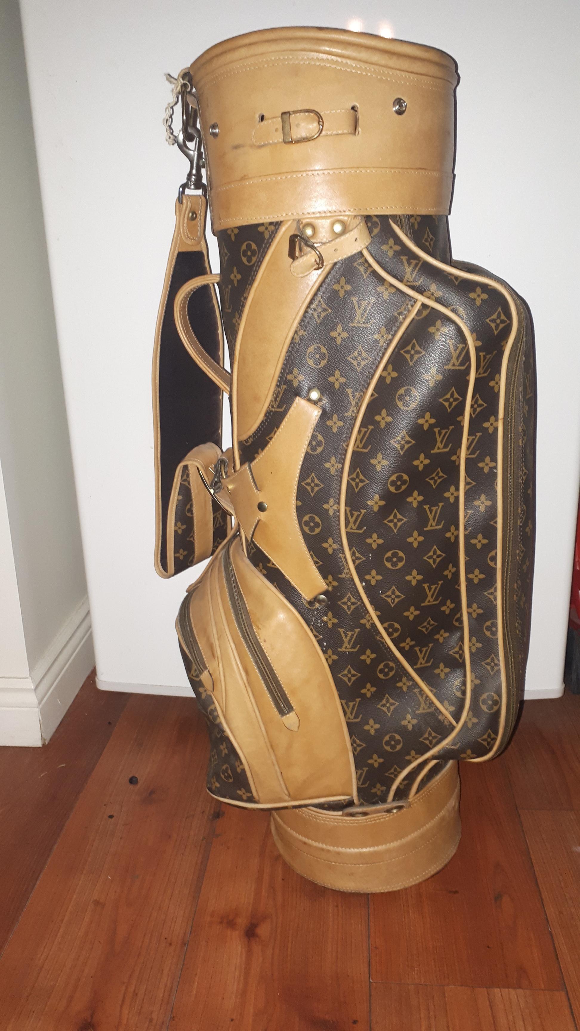 6bdbcbc1e9de Louis Vuitton ×.  FINAL PRICE  Rare Vintage 1960 s Golf Bag. Size  ONE SIZE