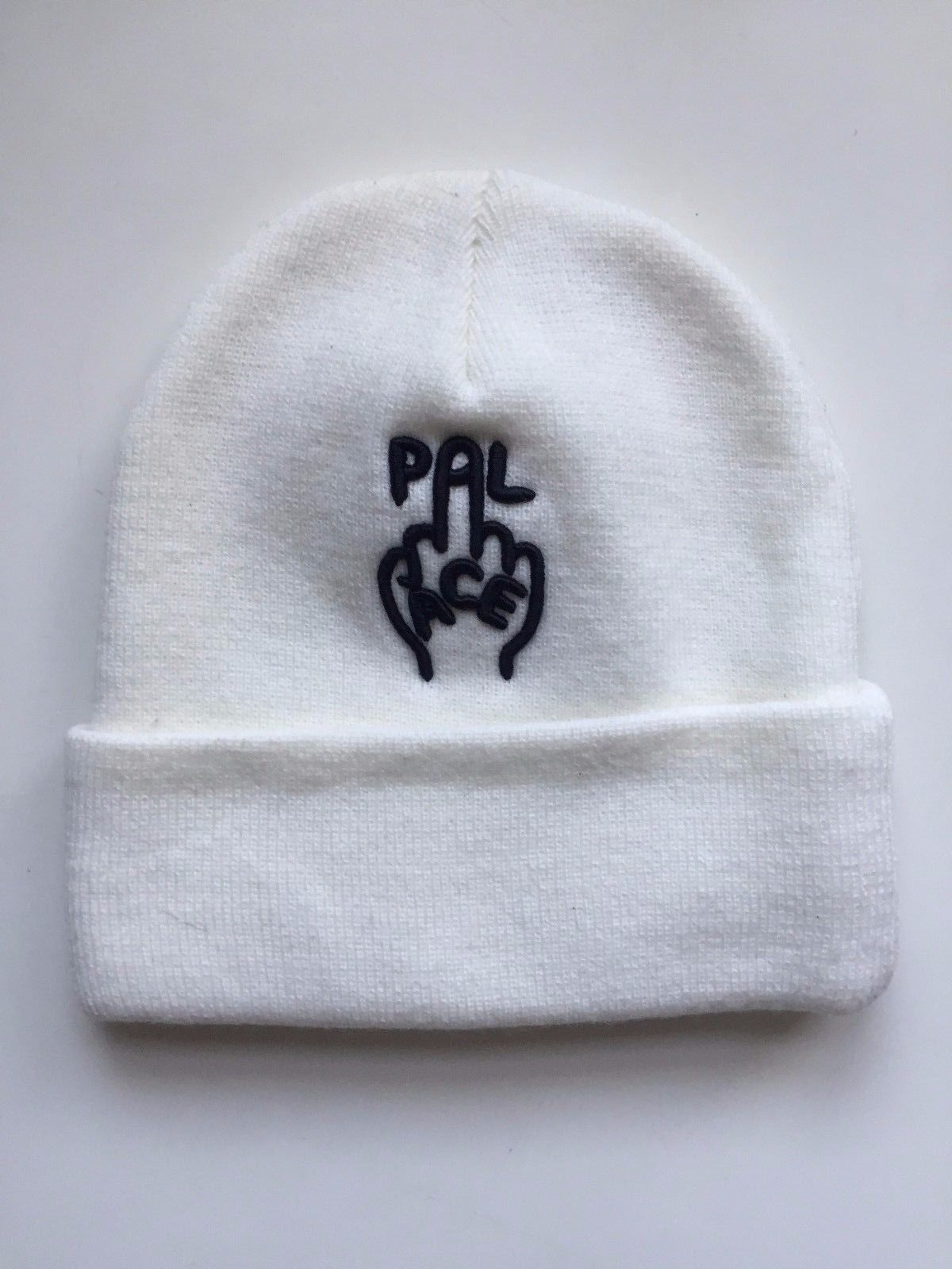 ce7d0c71fe8 Palace BRAND NEW Palace Extremely Rare Finger Up Beanie White Size ...