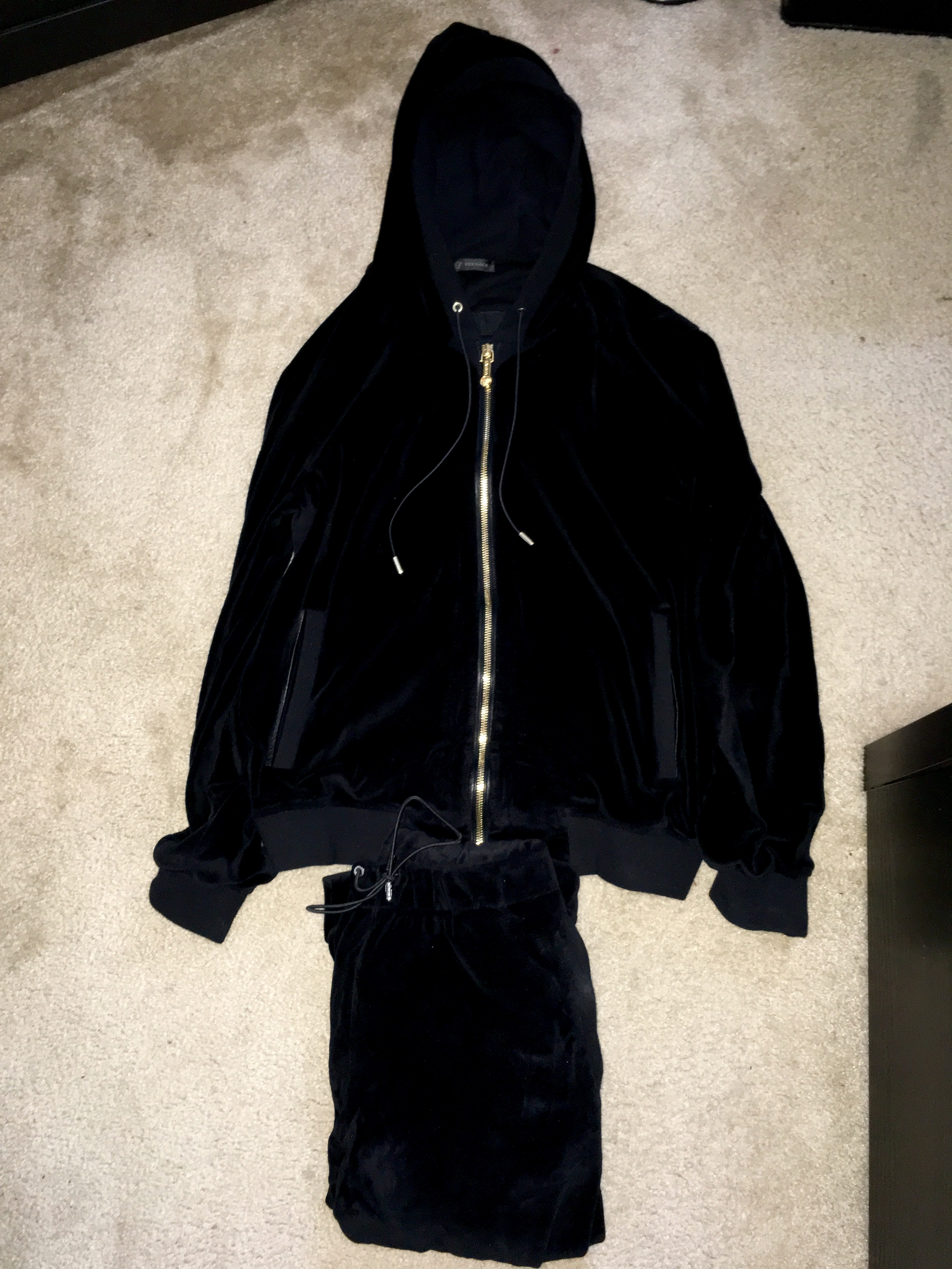 online retailer biggest discount usa cheap sale Versace velour sweatsuit