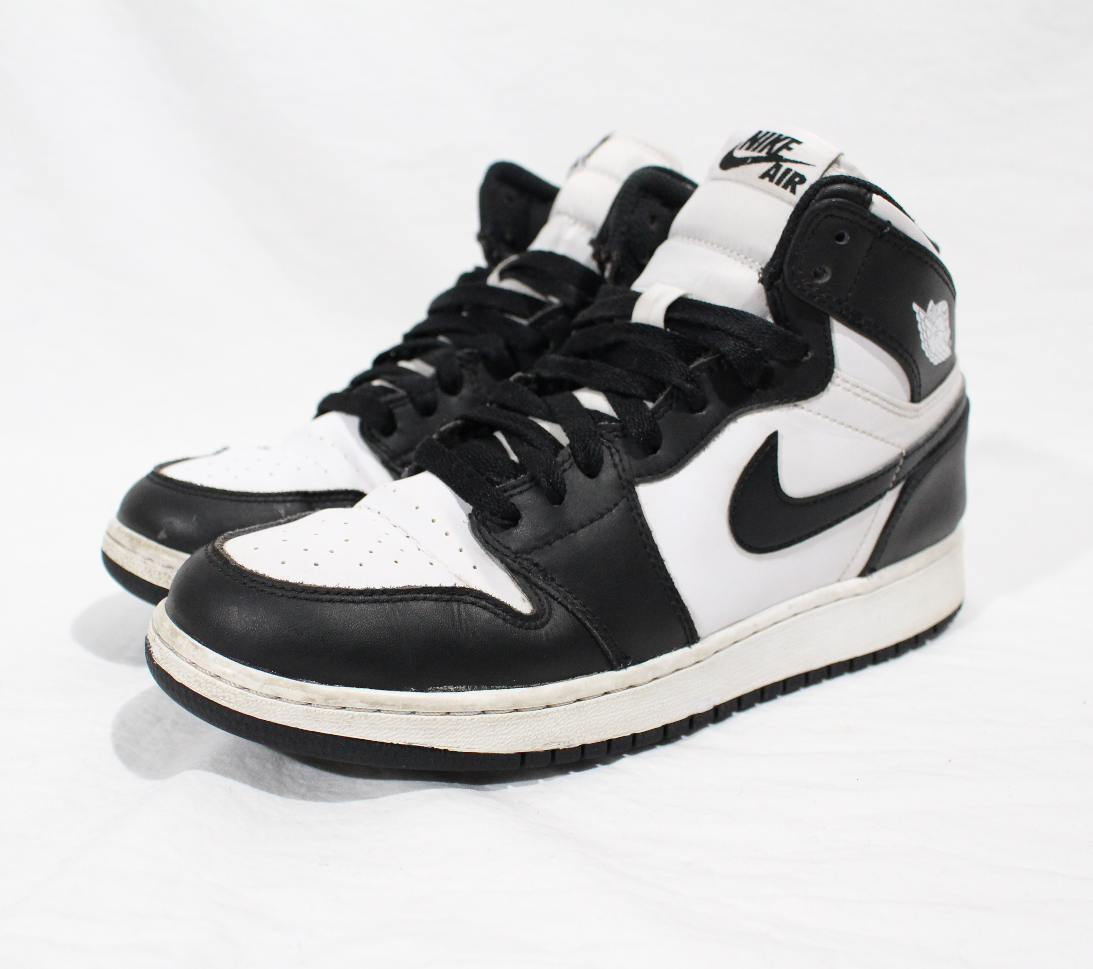 more photos 24da4 1fe35 Nike ×. Air Jordan 1 Retro High OG BG GS 575441-010 6.5Y Women s 8