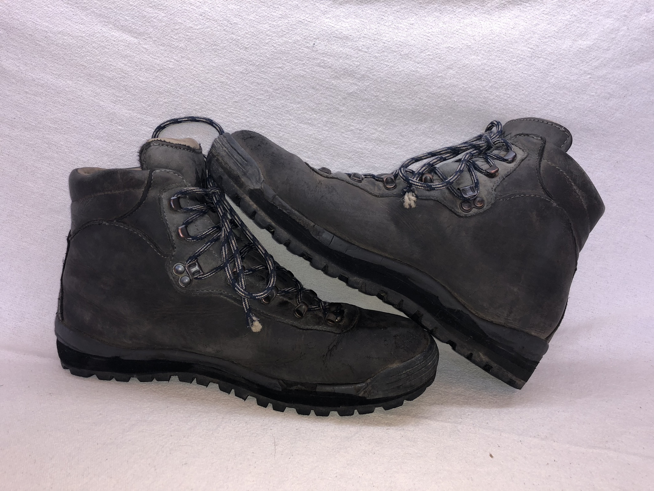 7606ef2b09b44 Vintage × Rei × Goretex ×. Vintage REI New Balance Gore Tex Leather Hiking  Boots