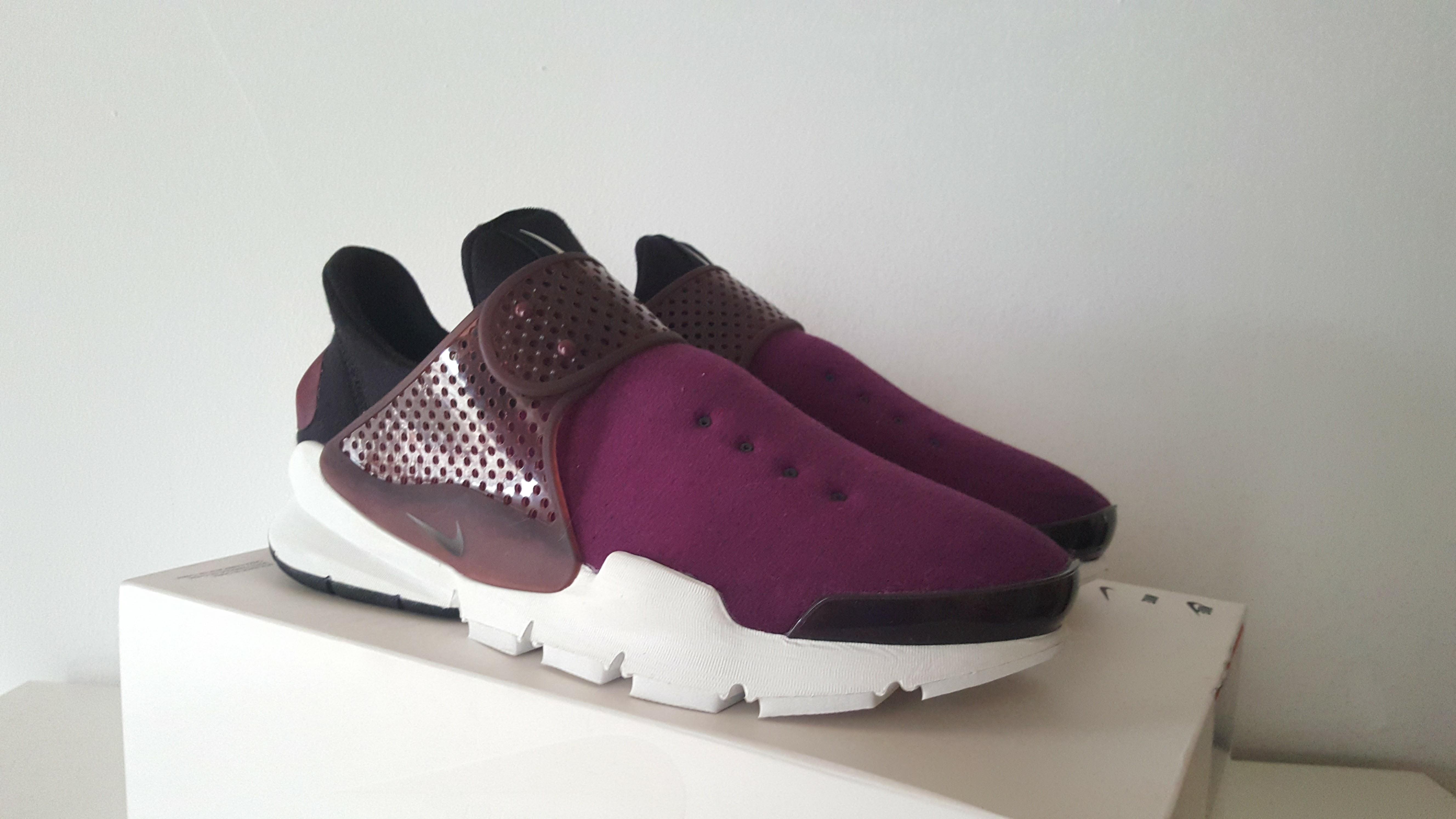 new style 5c54d c0581 Nike Sock Dart Fleece Burgundy