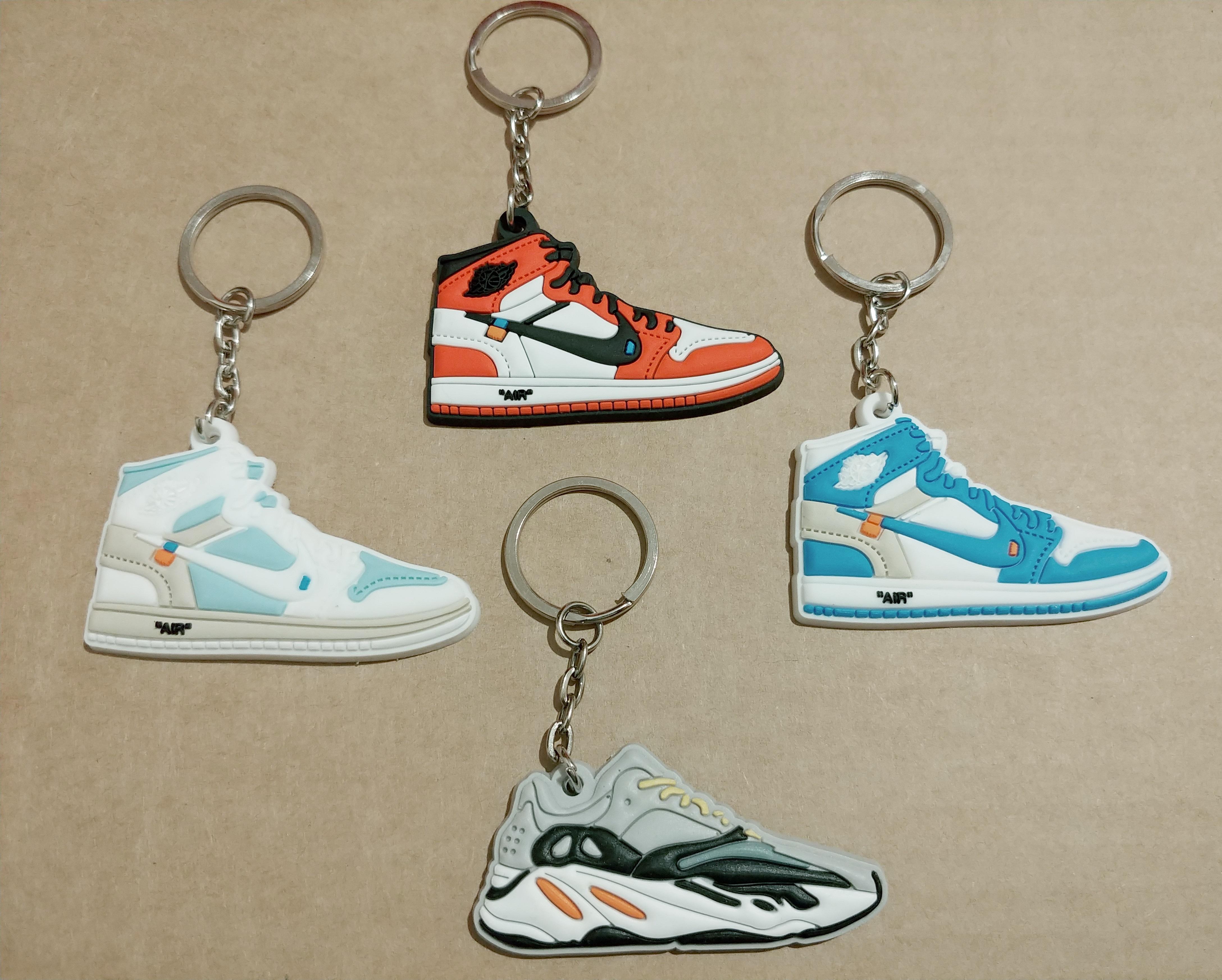 556d85f7d Nike ×. OFF-WHITE NIKE AIR JORDAN 1 + YEEZY 700 WAVE RUNNER mini keychains