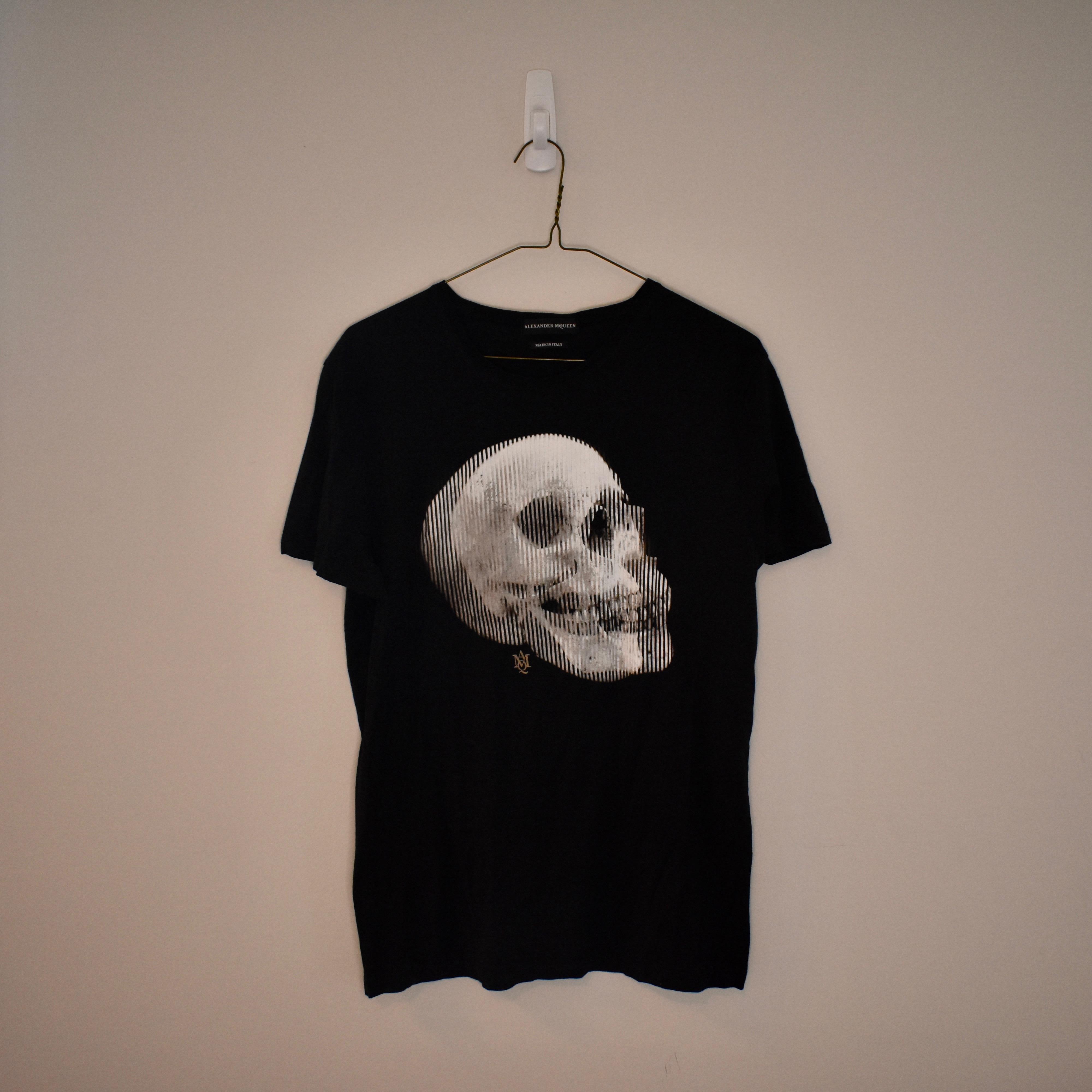 c808e4c2 Alexander Mcqueen Alexander Mcqueen Black Skull T-shirt | Grailed