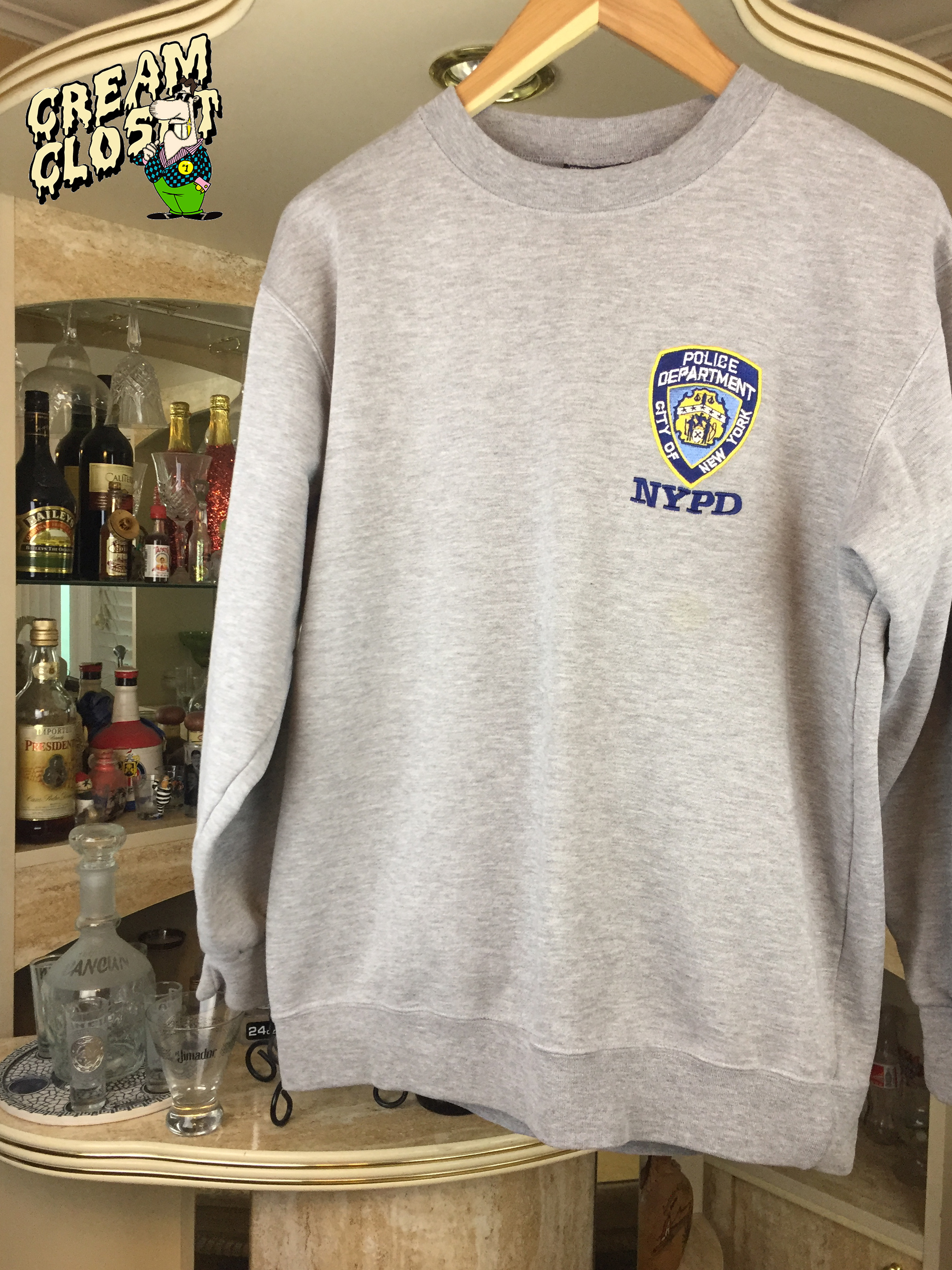 28ed47b3 New York ×. VINTAGE NYPD NEW YORK POLICE DEPARTMENT CREWNECK SWEATER IN GREY