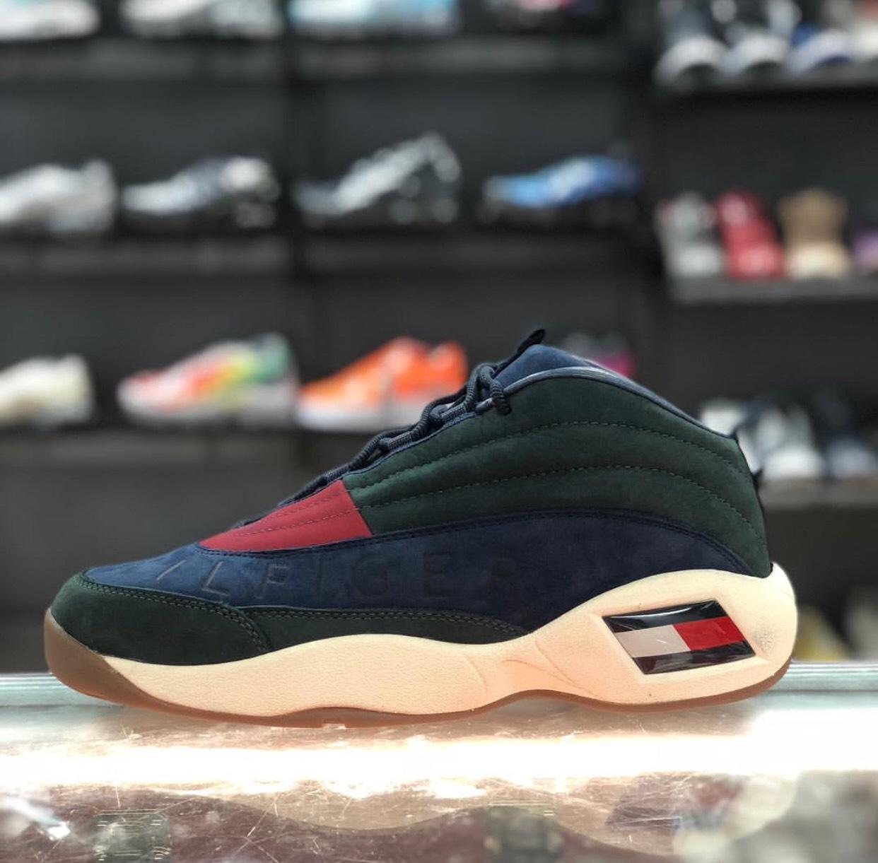 motivo Cayo préstamo  Tommy Hilfiger Kith X Tommy Hilfiger Lux Basketball Sneaker Forest Green /  Navy | Grailed