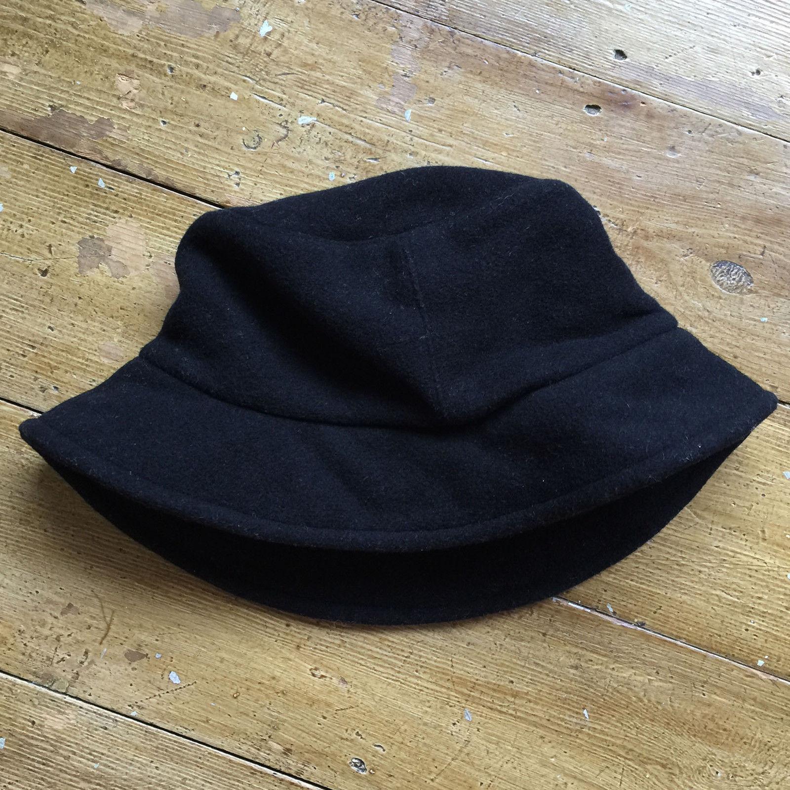 A.P.C. APC Bucket Hat Wool Black Medium Size one size - Hats for ... 98b71b46738