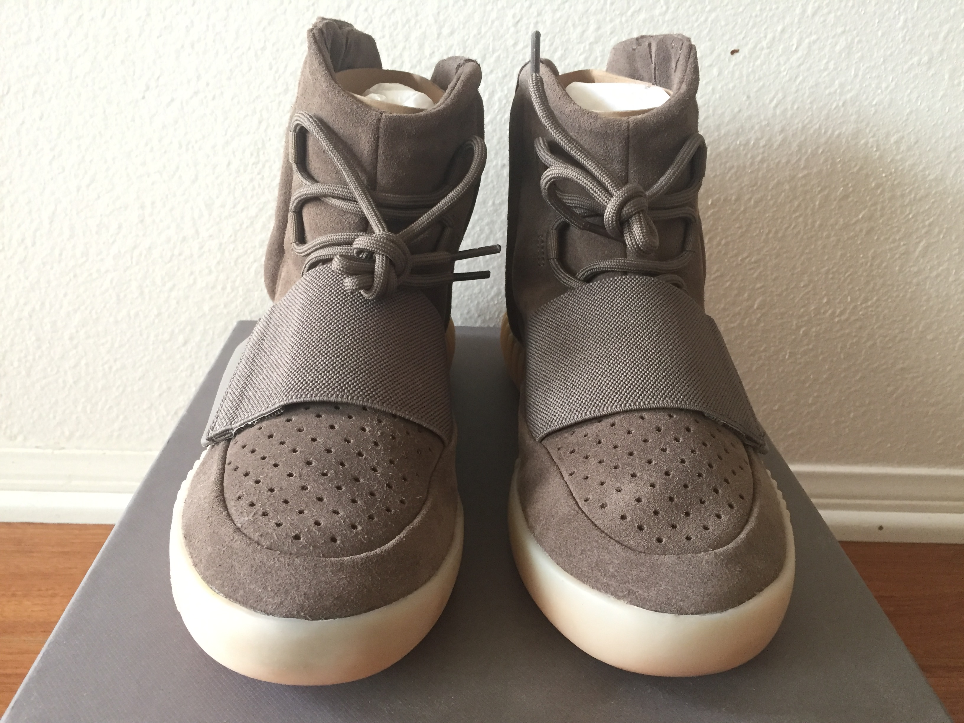 Adidas Yeezy Boost 750 1