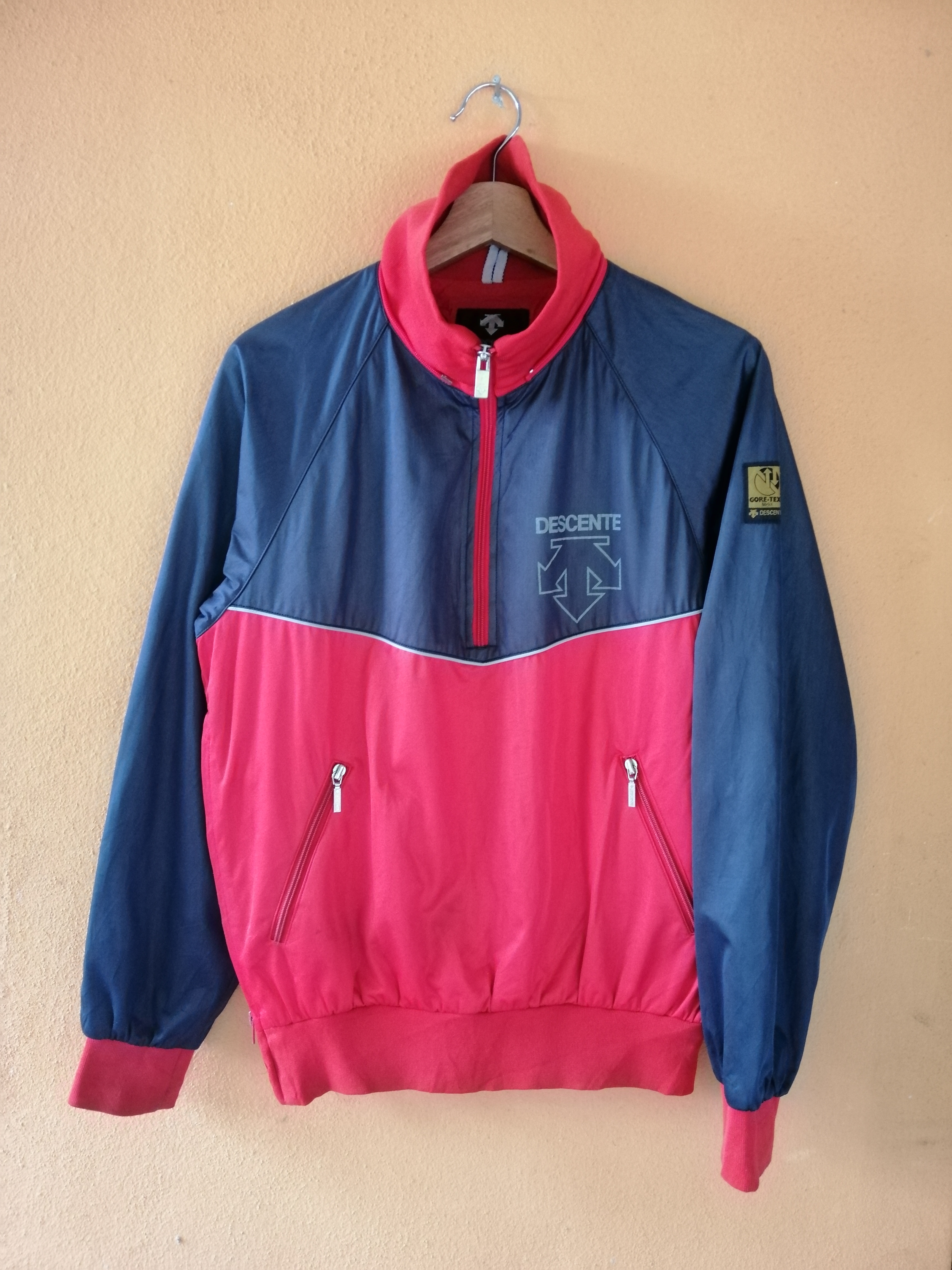 Descente Gore-Tex Windbreaker Medium Vintage 90s Ncaa Descente Gore Tex Streetwear Light Zipper Jacket Size M