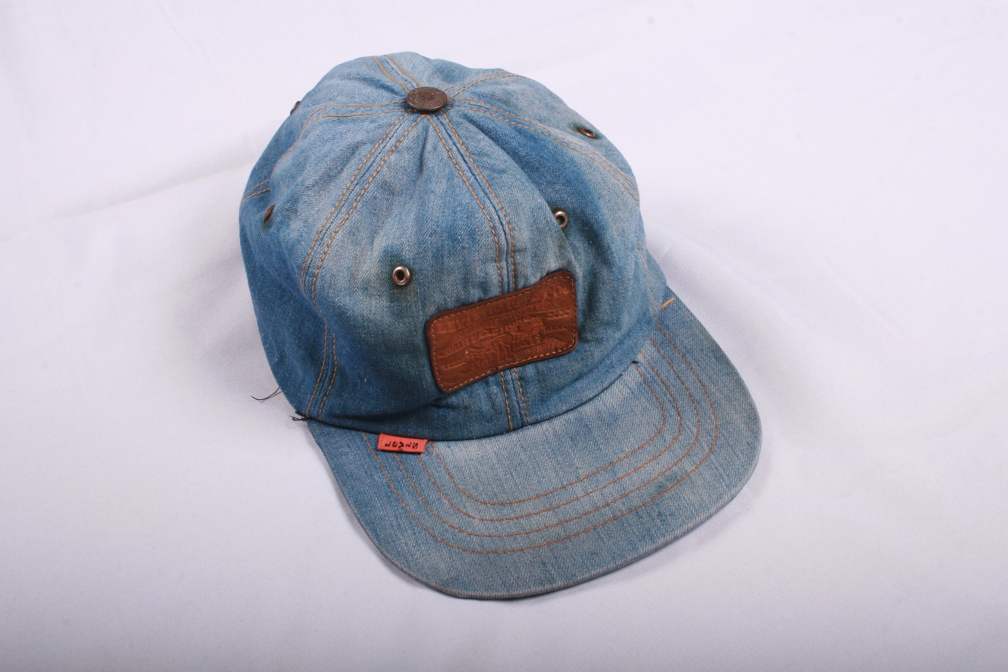 b9de0d017003c Levi s Levis 80s Rare Vintage Denim Cap Size one size - Hats for ...