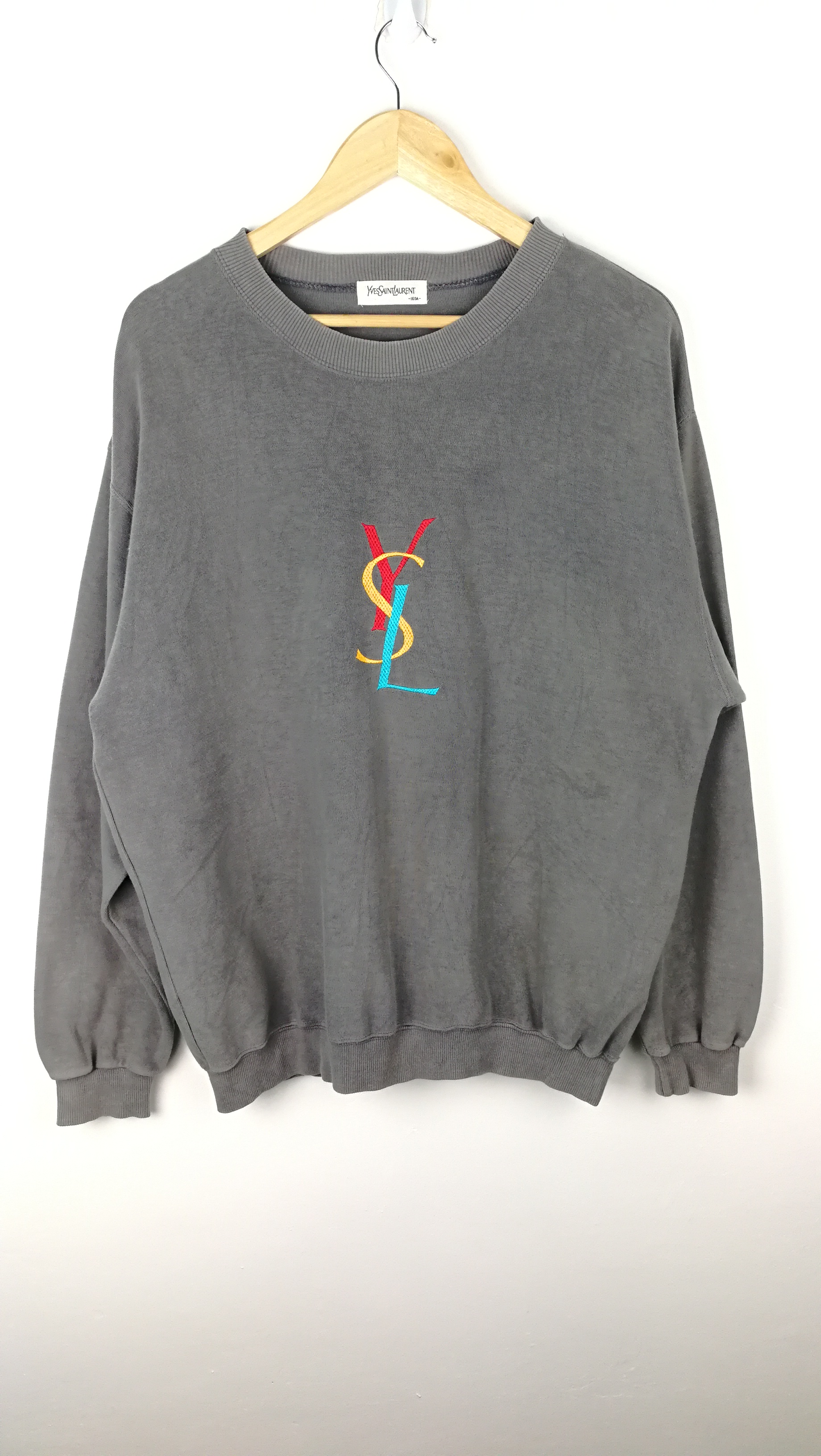 d75292794c1 Yves Saint Laurent ×. YSL MULTICOLOUR BIG LOGO SWEATSHIRT. Size: US XL / EU  56 / 4