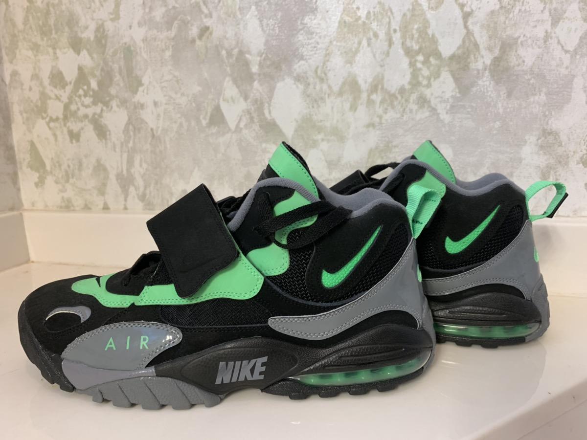 Air Max Speed Turf Black Poison Green