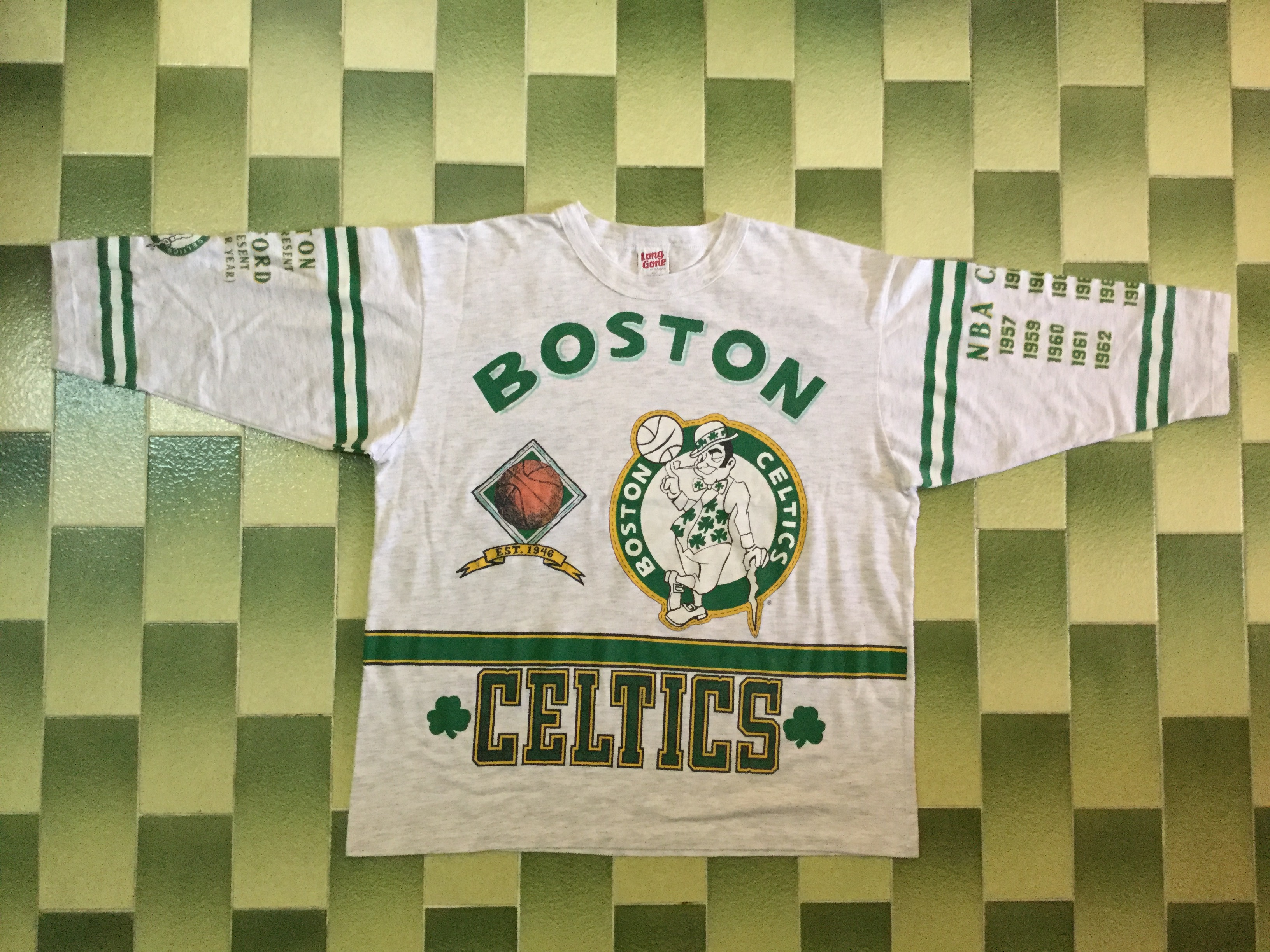 e7b0b4fe17a4 Vintage × Nba × Boston Celtics ×. Vintage NBA Boston Celtics Raglan all  over print t-shirt american basketball ...