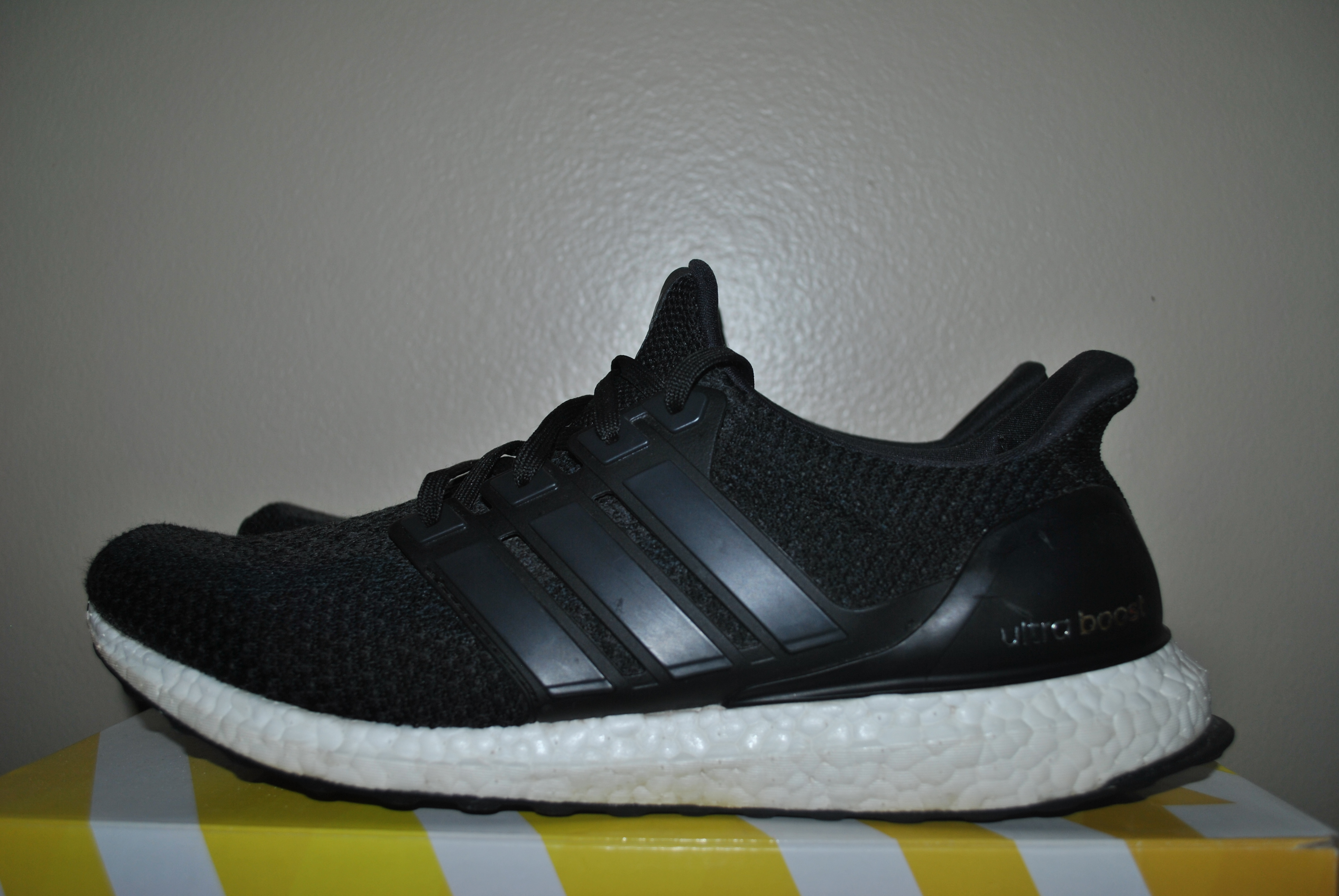 newest c81d3 e0e2a Adidas Ultraboost Ultra boost 2.0 Size 10.5 BB3909 Black/White USED