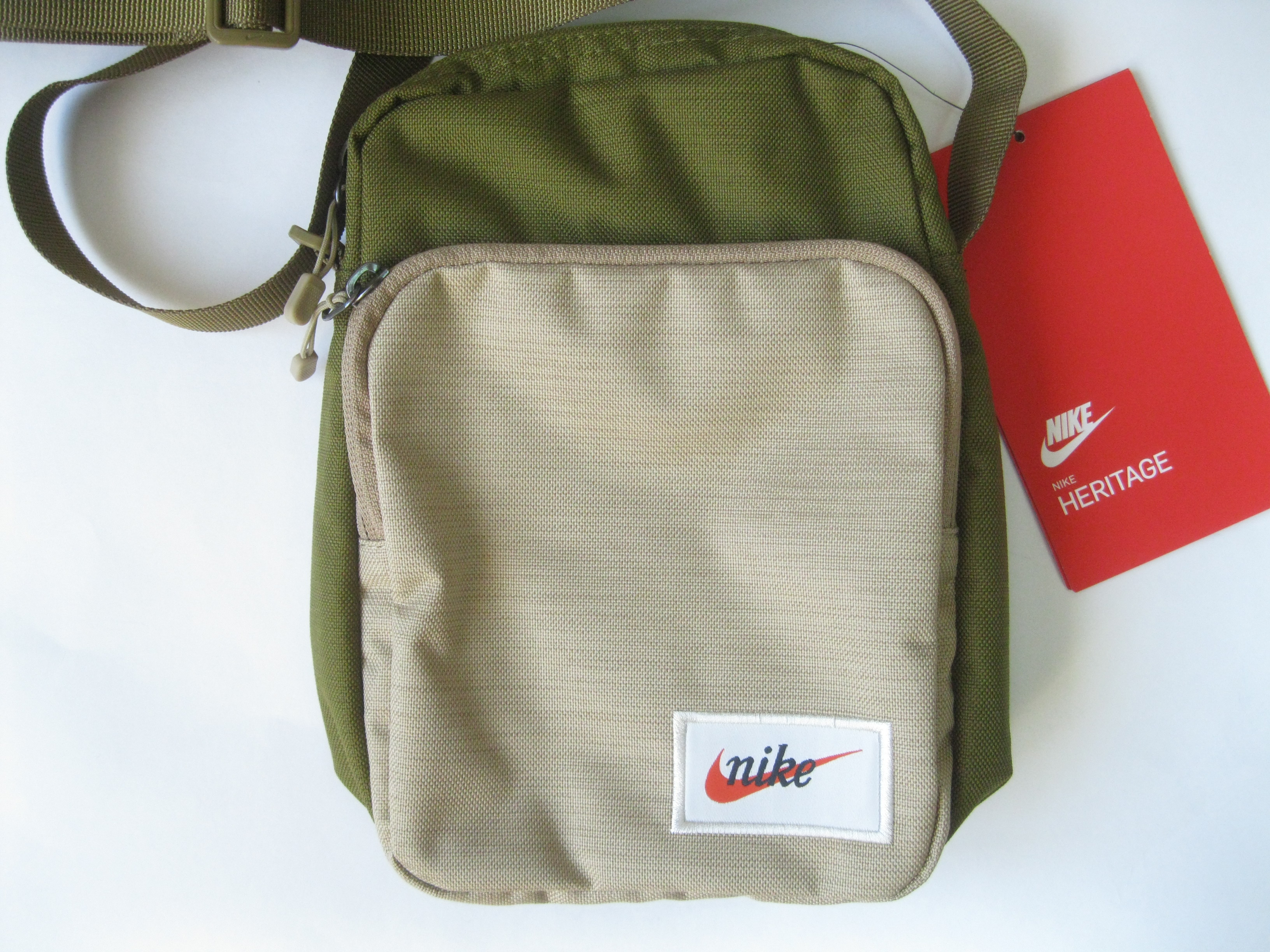 vídeo Peaje clima  Nike Heritage Small Items Shoulder Bag Ba5809 | Grailed