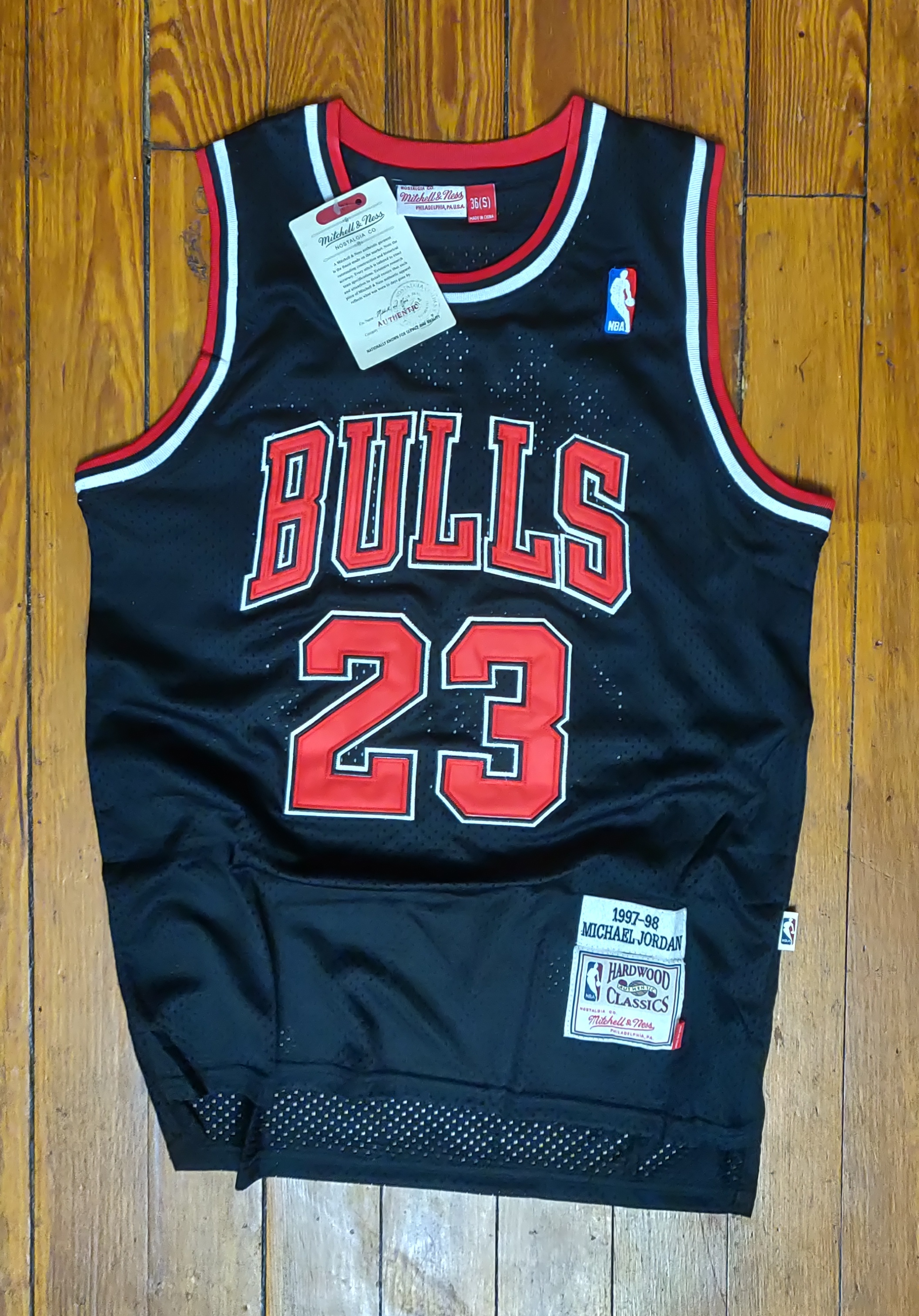 sports shoes 4bde4 db48a RETRO Bulls Michael Jordan Mitchell & Ness Black '97-'98 Hardwood Classics