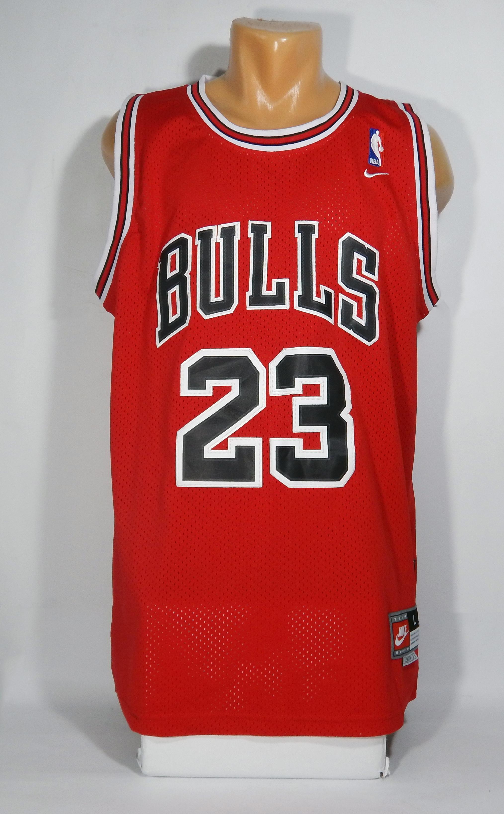 33c299255b1 Nike NBA MICHAEL JORDAN CHICAGO BULLS  23 BASKETBALL JERSEY Size l ...