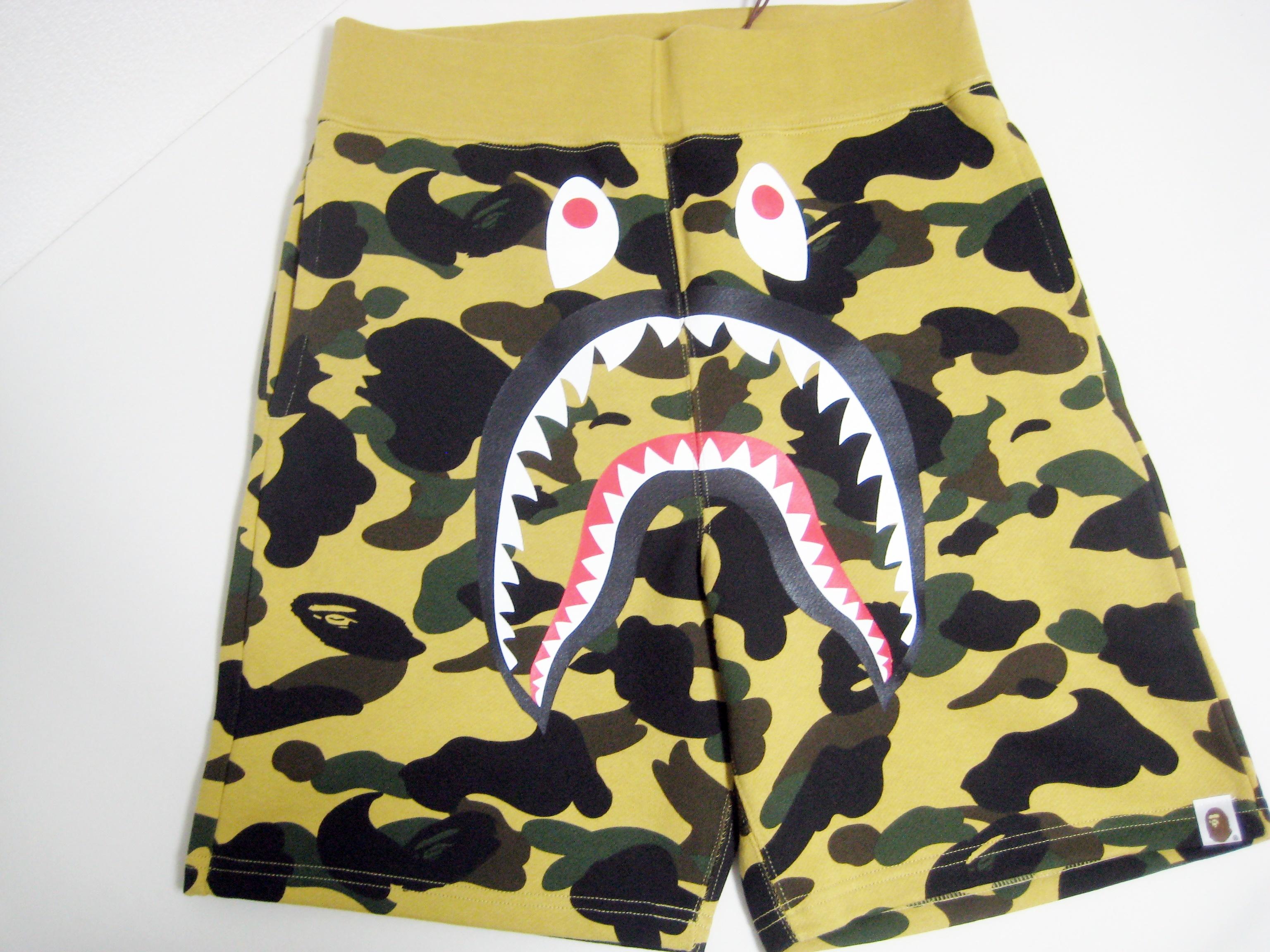 8c0b11691f15 Bape A BATHING APE BAPE 1ST CAMO SHARK SWEAT SHORTS yellow M brand ...