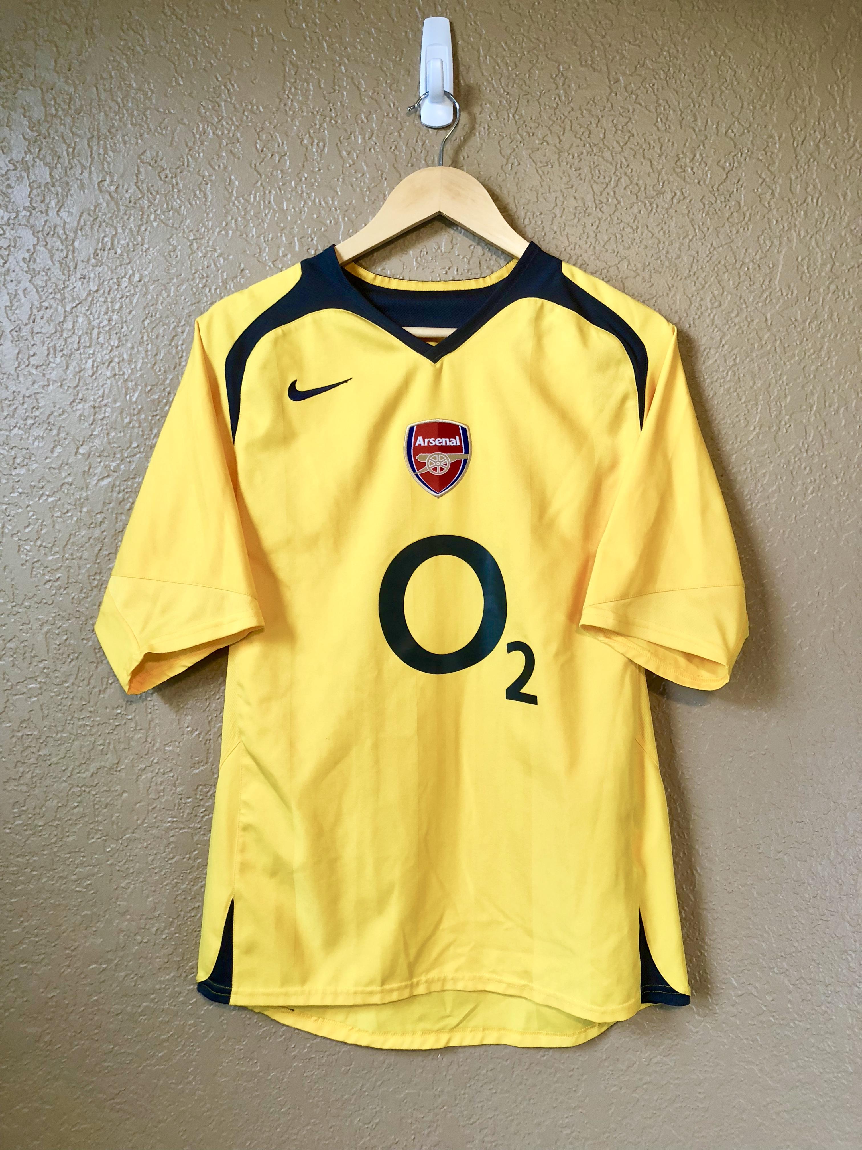 super popular 22349 92e97 2005 - 2006 London Arsenal FC Yellow Away Jersey Kit