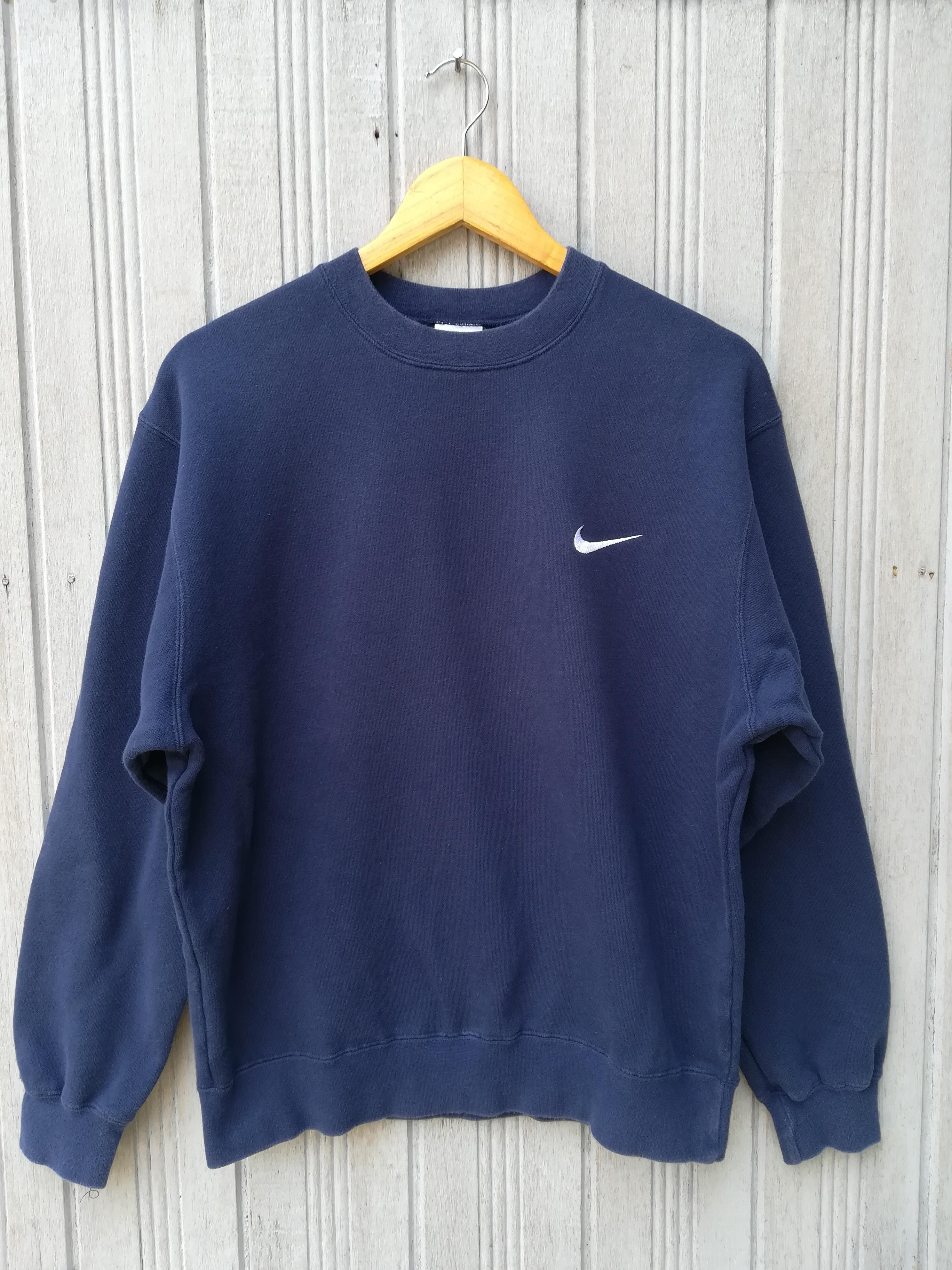 3da1c3c99a8f Nike Vintage Nike Sweatshirt Size l - Sweatshirts   Hoodies for Sale ...