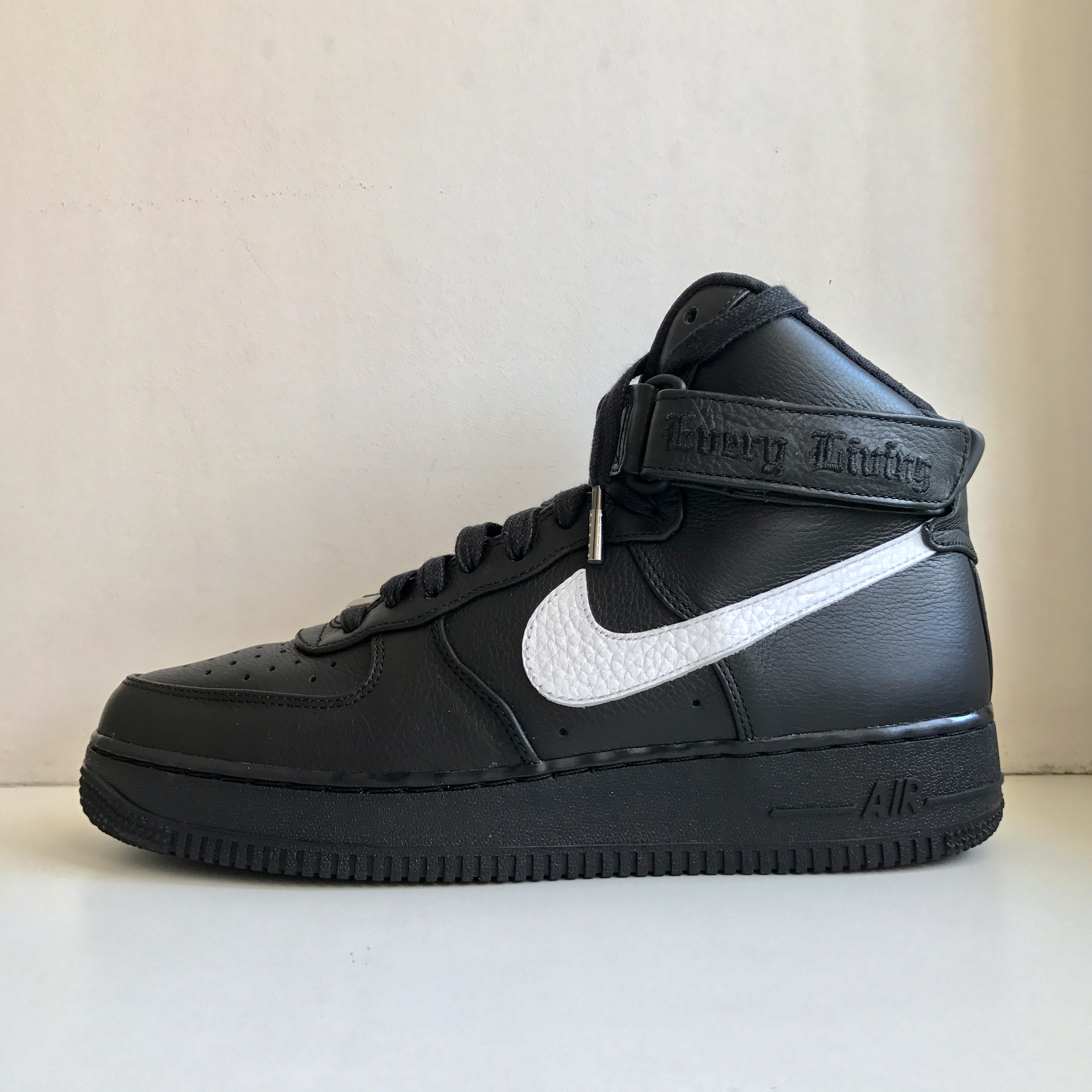 the best attitude d6bc6 8bac8 VLONE x Nike Air Force 1 High SAMPLE