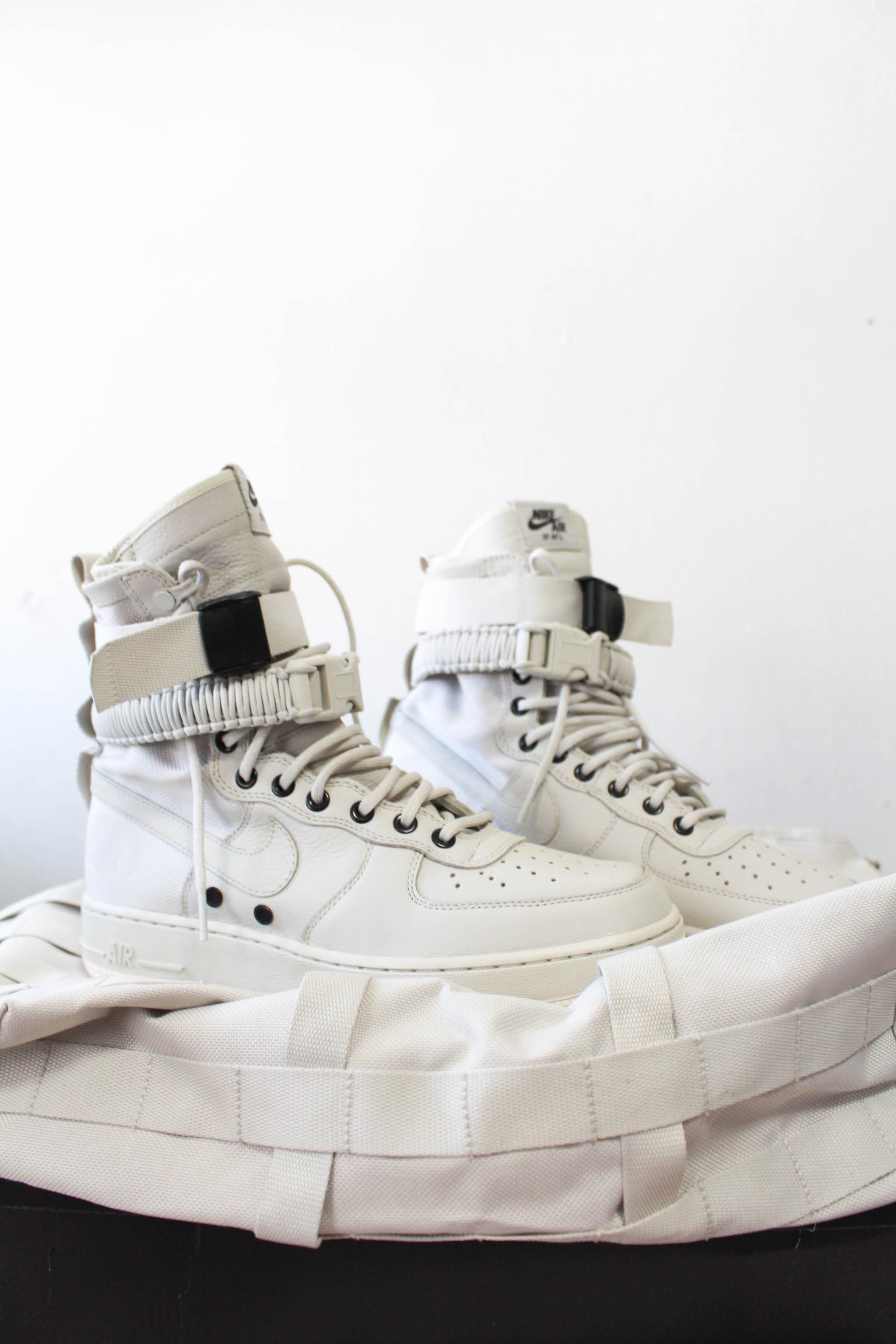 la compra auténtico grandes ofertas en moda atractivo y duradero Nike Sf Air Force 1 Light Bone Wmns With Bag | Grailed