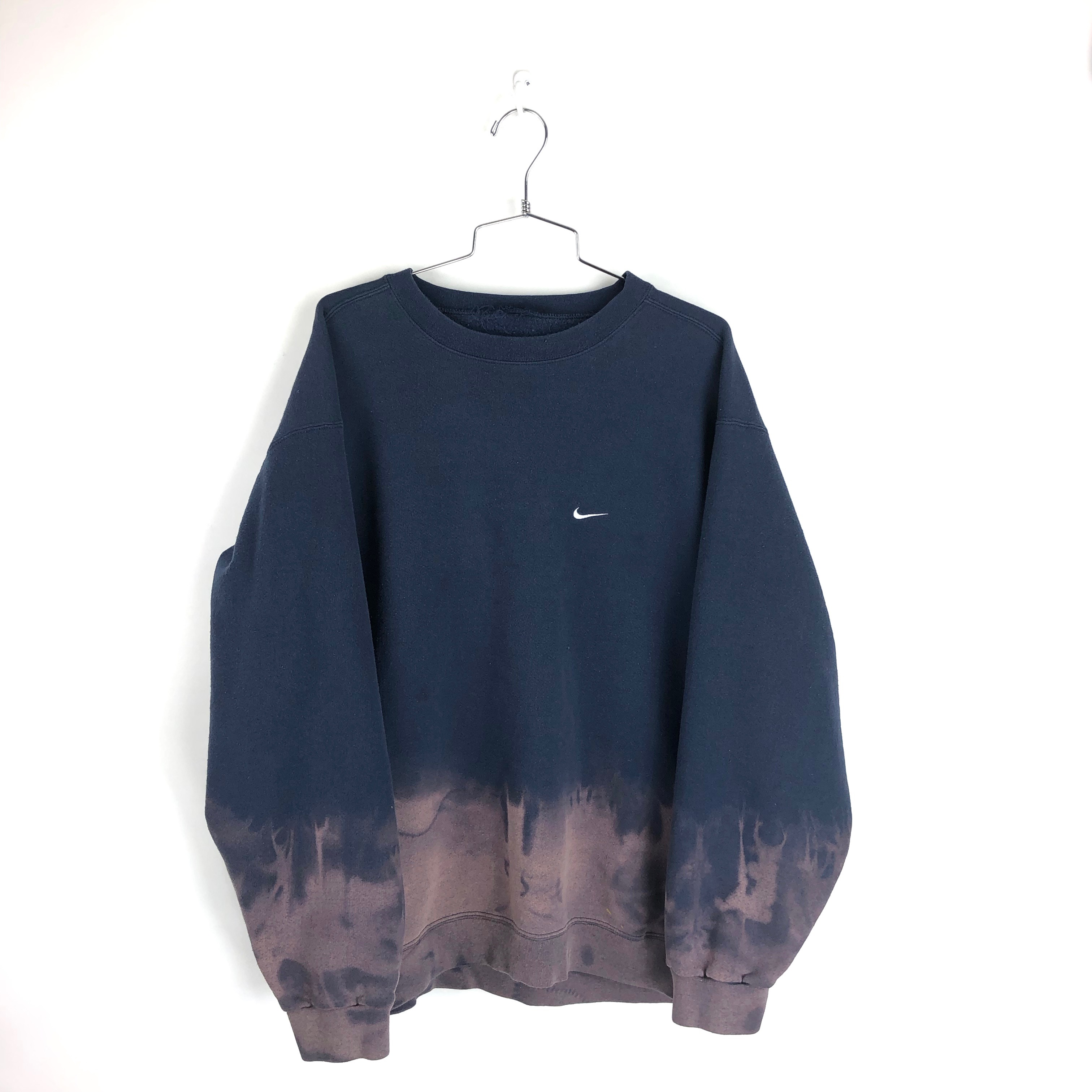 c92521ffbbf710 Nike × Vintage ×. Vintage 90s Nike Crewneck Sz XL Mens 90s Distressed Faded Dyed  Sweatshirt Pullover. Size  US ...