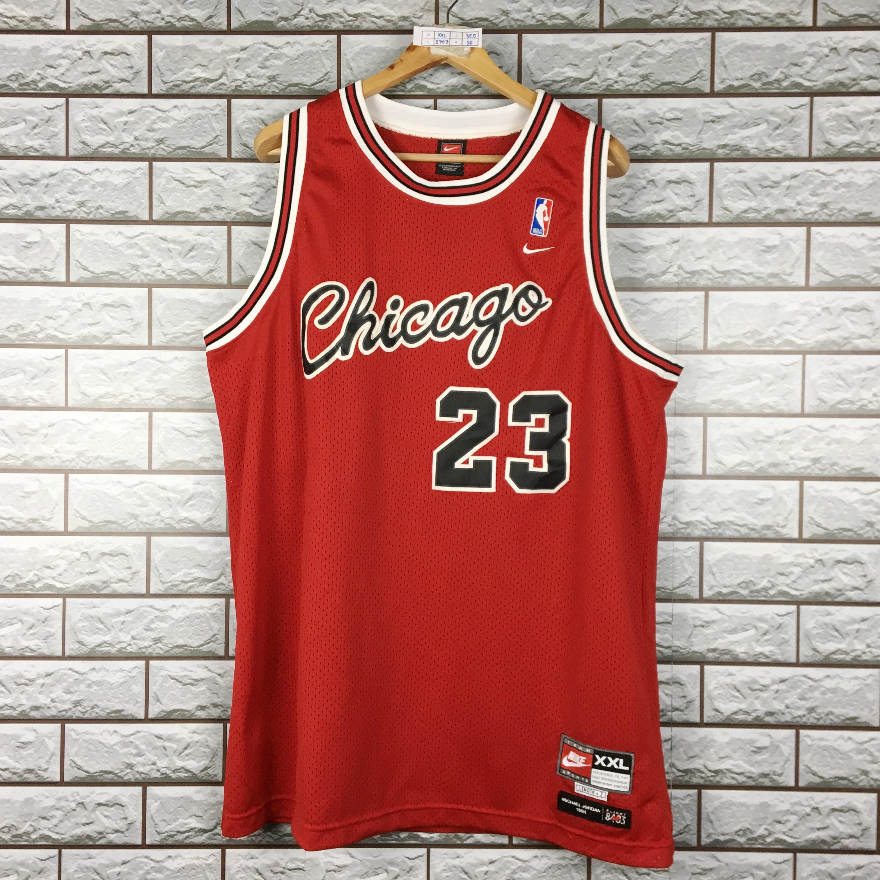 Nike Vintage Nike Chicago Bulls Michael Jordan #23 NBA Jersey